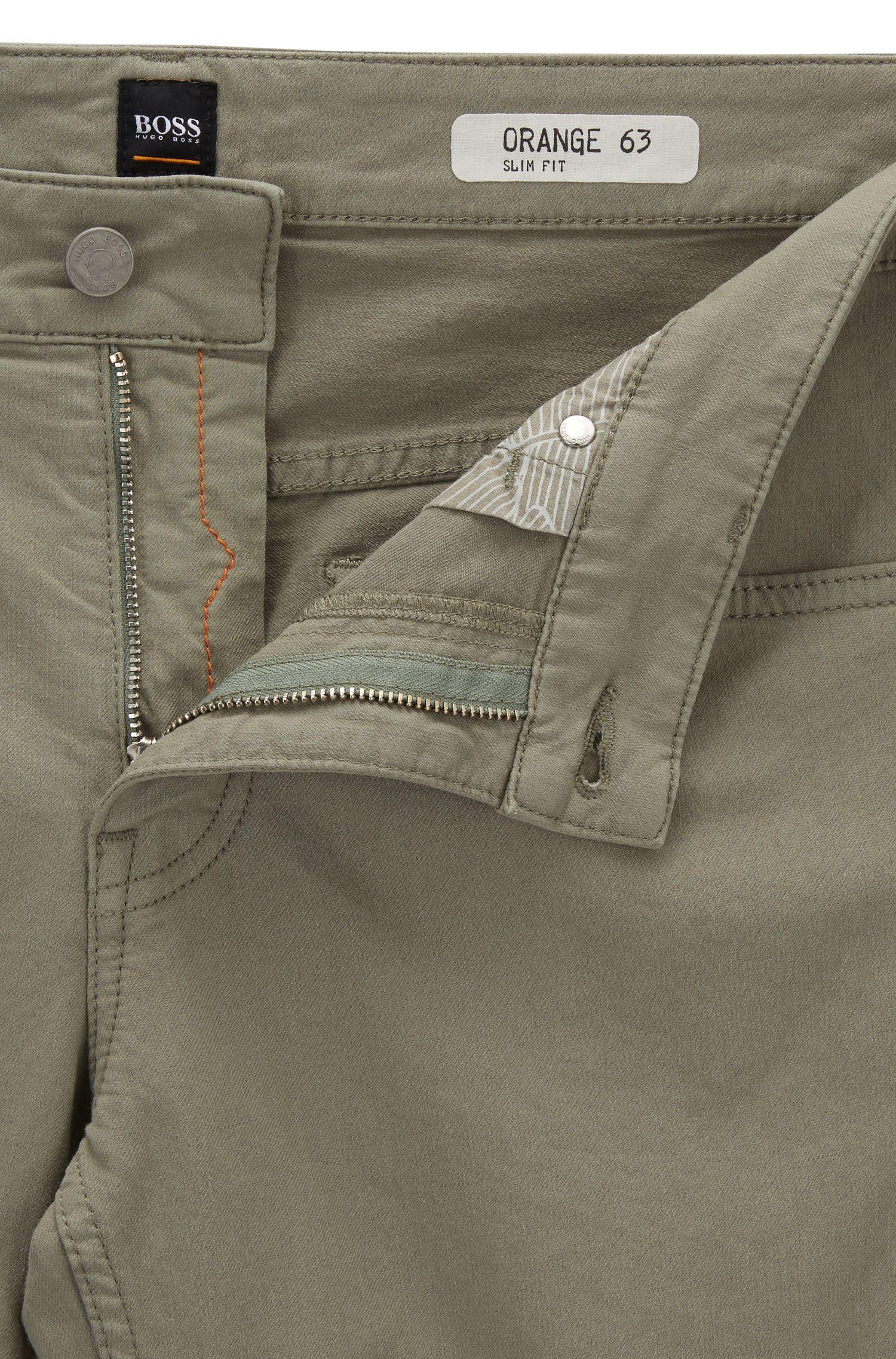 Jeans slim fit in leggero denim elasticizzato