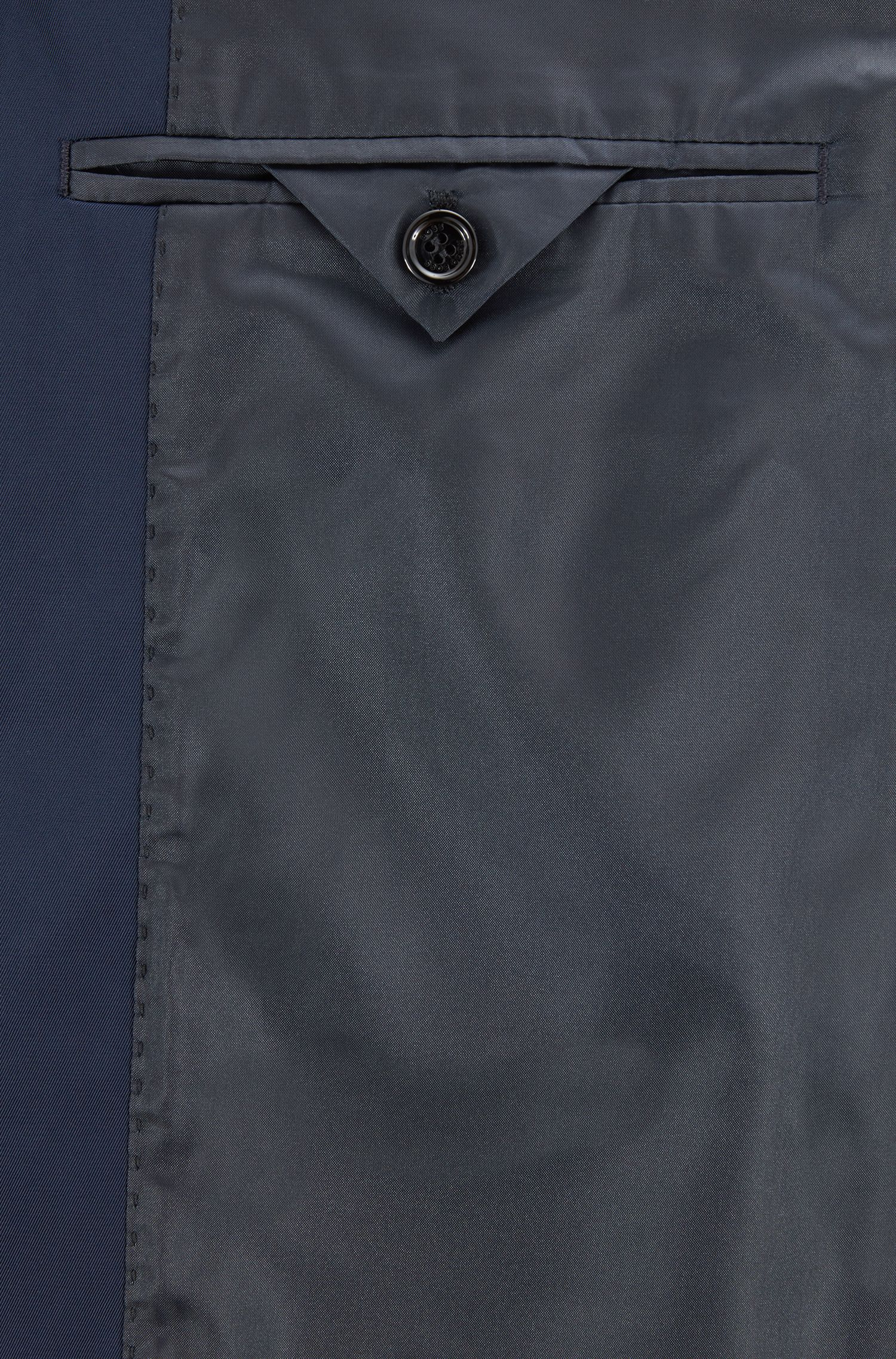 Water-repellent coat in technical twill