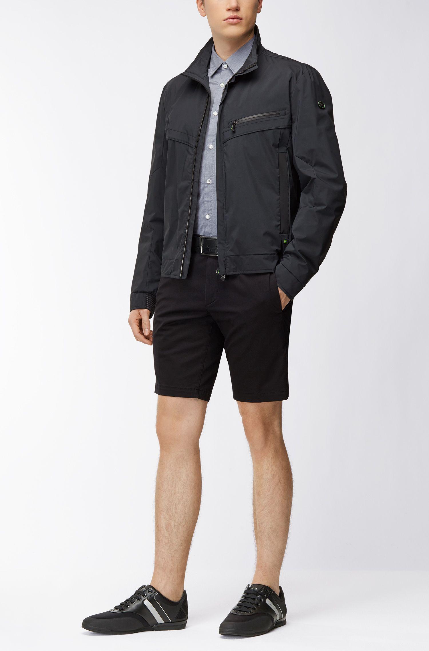 Regular-Fit Hemd aus feuchtigkeitsableitender Stretch-Baumwolle