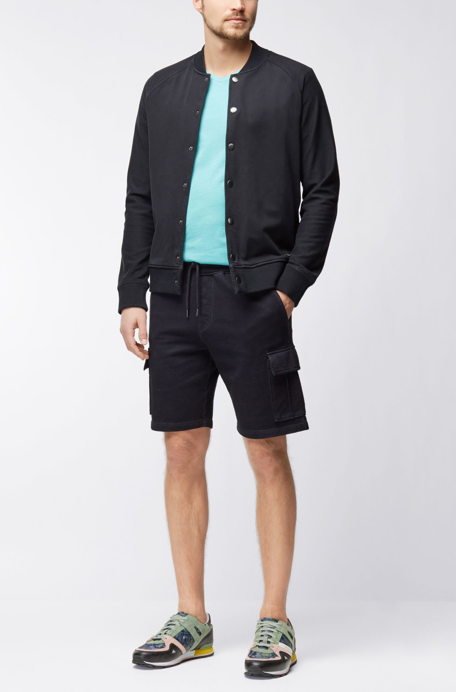 Stückgefärbte Regular-Fit Shorts aus French Terry
