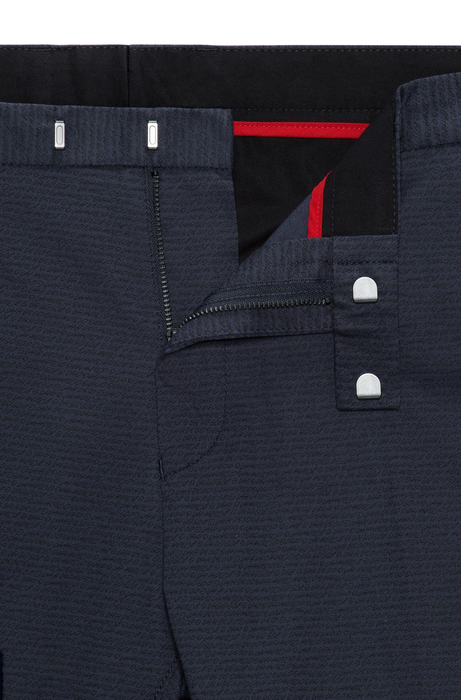 Slim-Fit Hose aus Stretch-Baumwolle mit filigranem Logo-Print