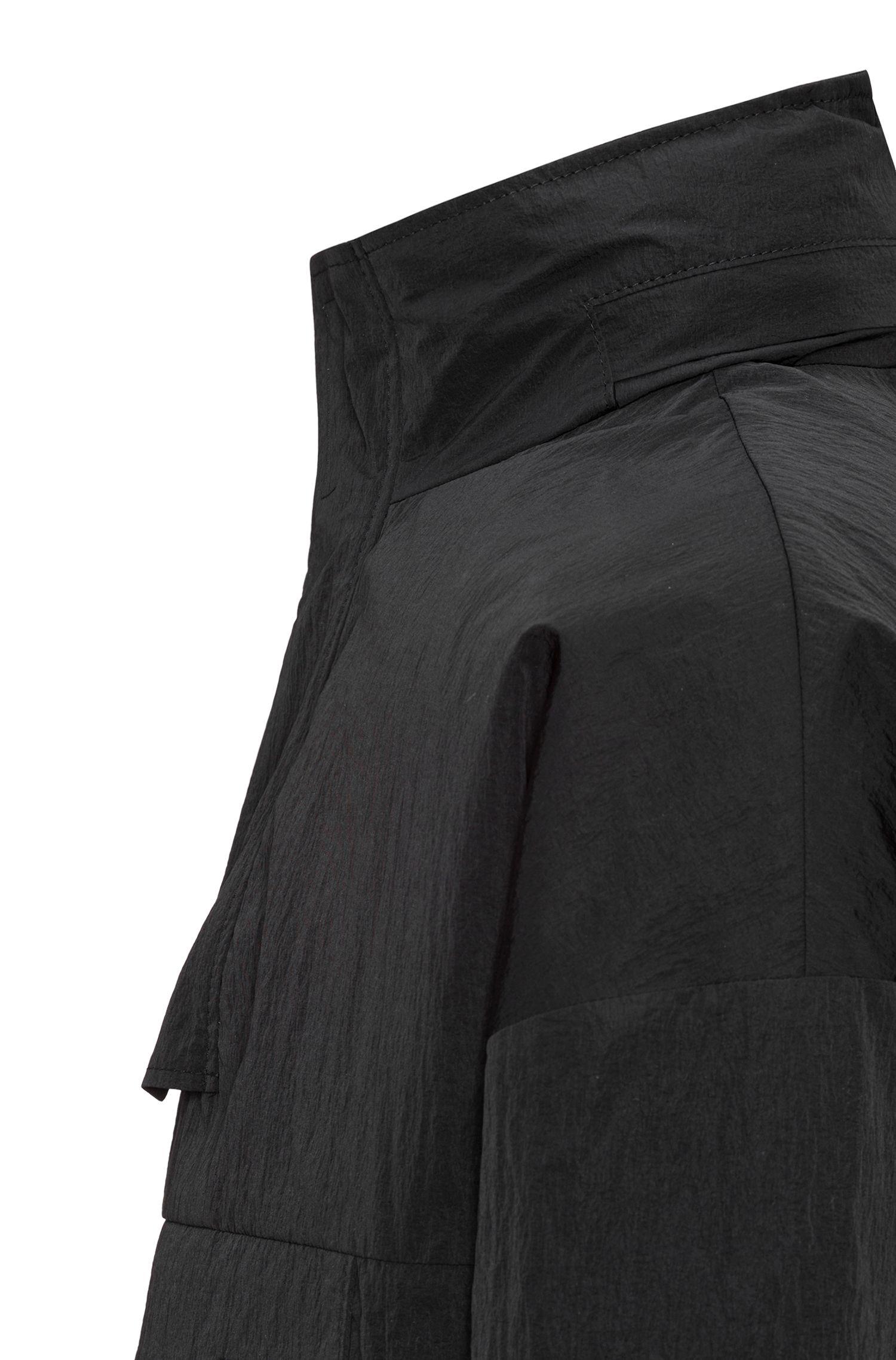 Veste coupe-vent en tissu technique imperméable