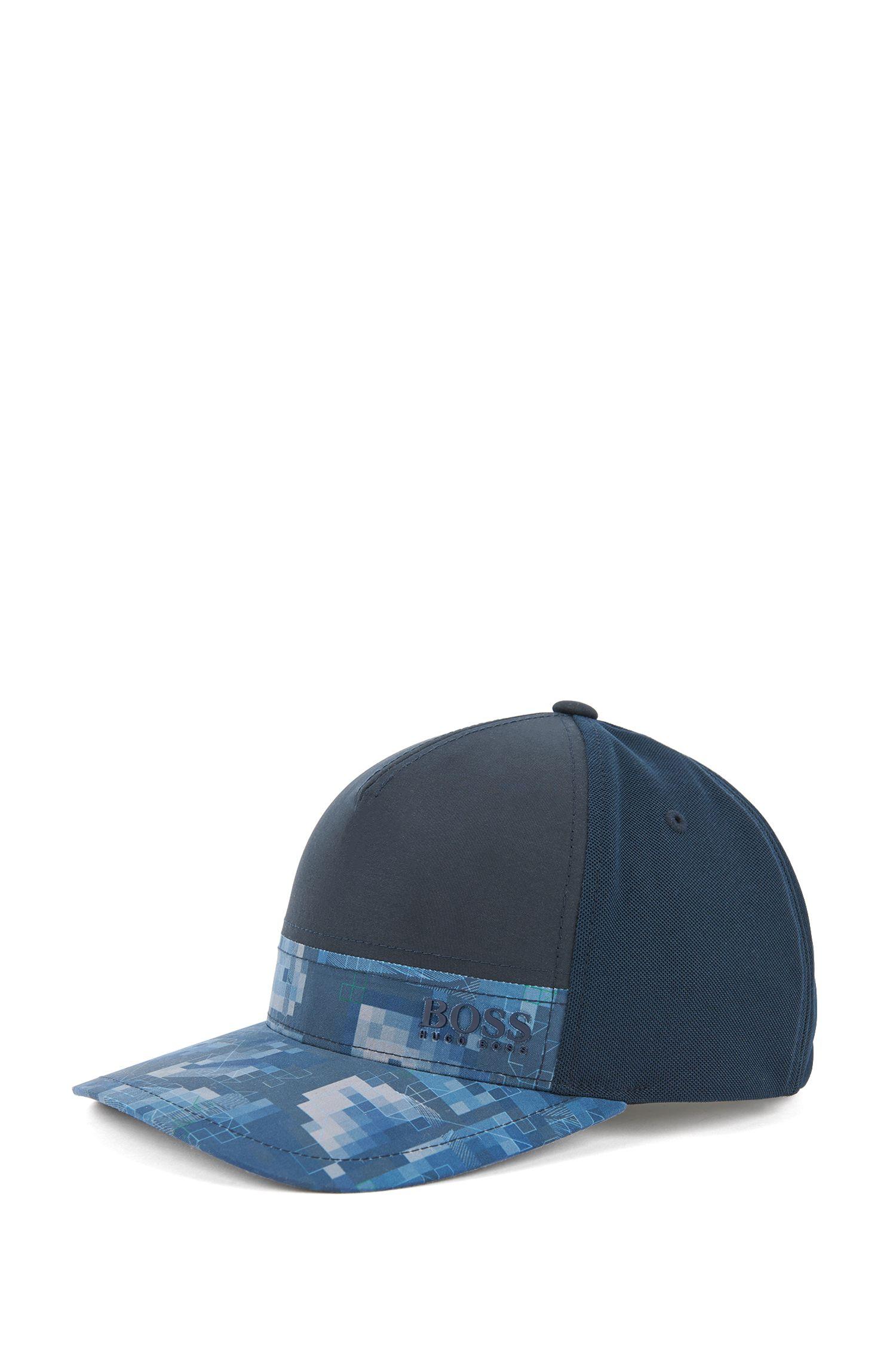 Colour-block baseball cap with print detail