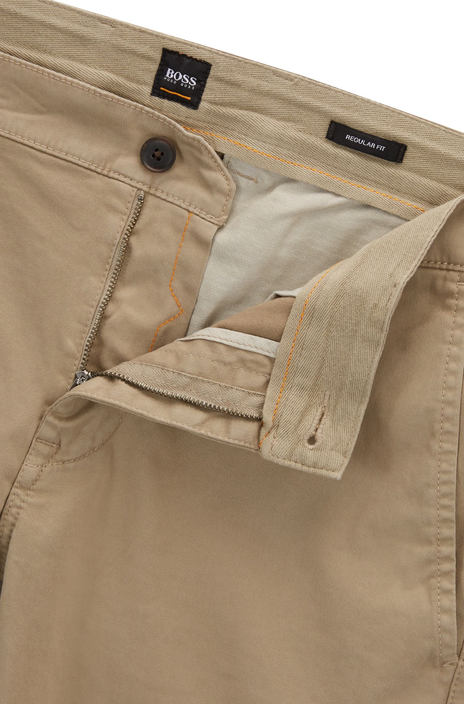 Regular-Fit Chino-Shorts aus elastischer Baumwolle