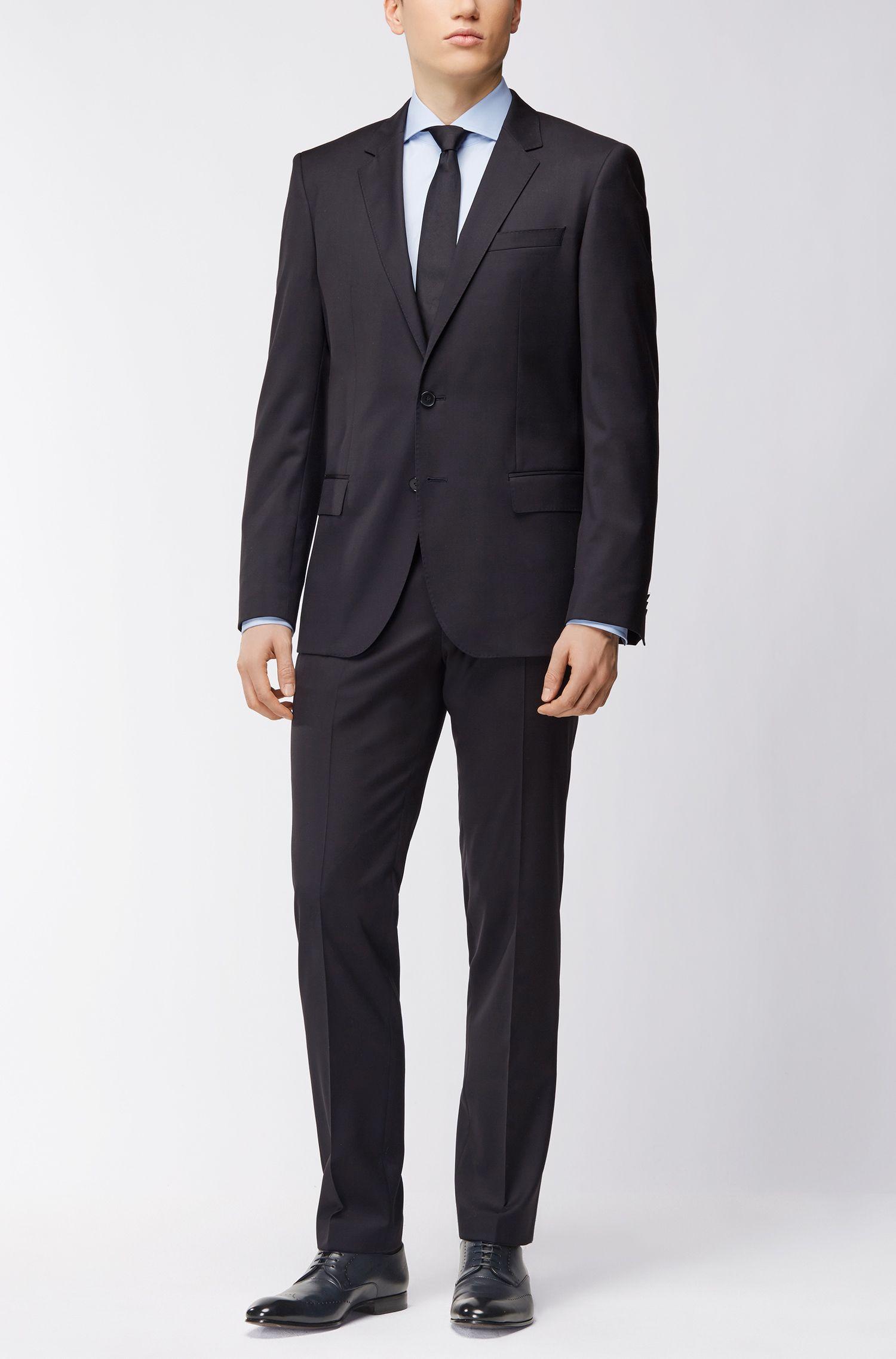 Slim-Fit Hemd aus Baumwoll-Popeline mit Cutaway-Kragen