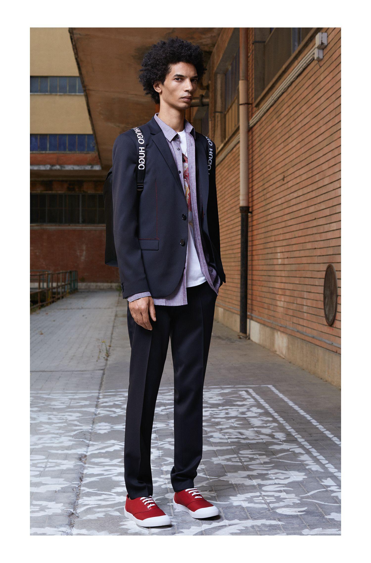 Extra Slim-Fit Hose aus Schurwolle mit roten Naht-Details