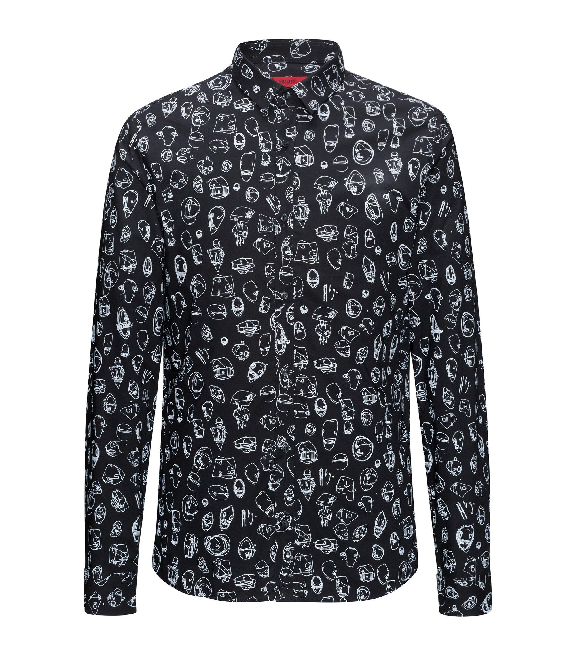 Camisa slim fit de algodón con estampado urbano, Negro