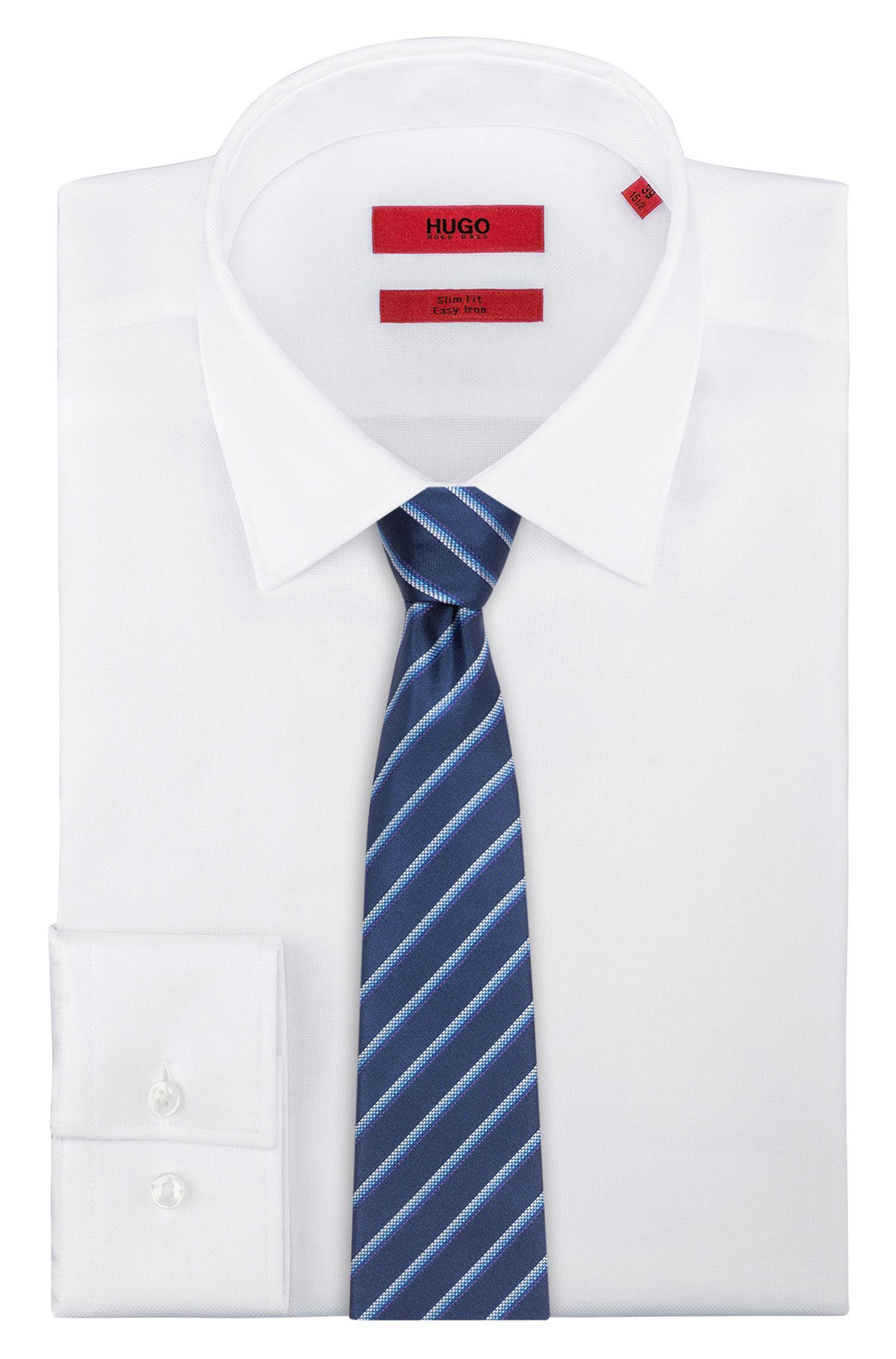Corbata de seda con rayas en diagonal