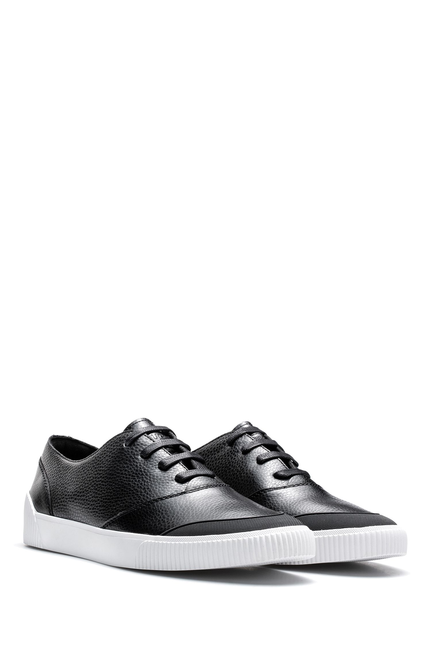 Sneakers low-top stile tennis in pelle di vitello martellata