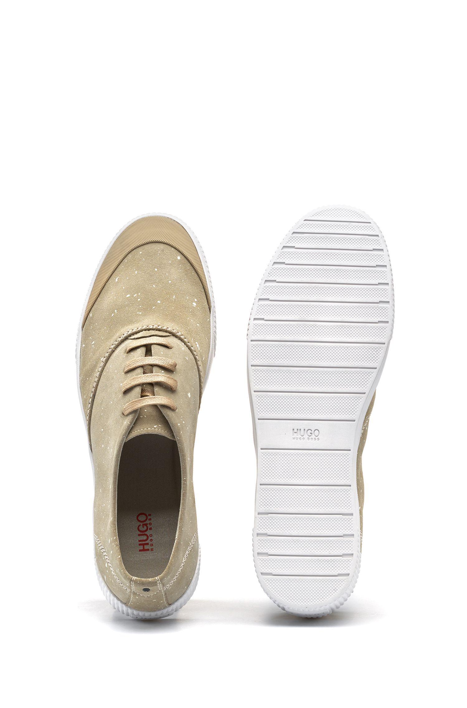 Sneakers aus Veloursleder mit Farbspritzer-Muster