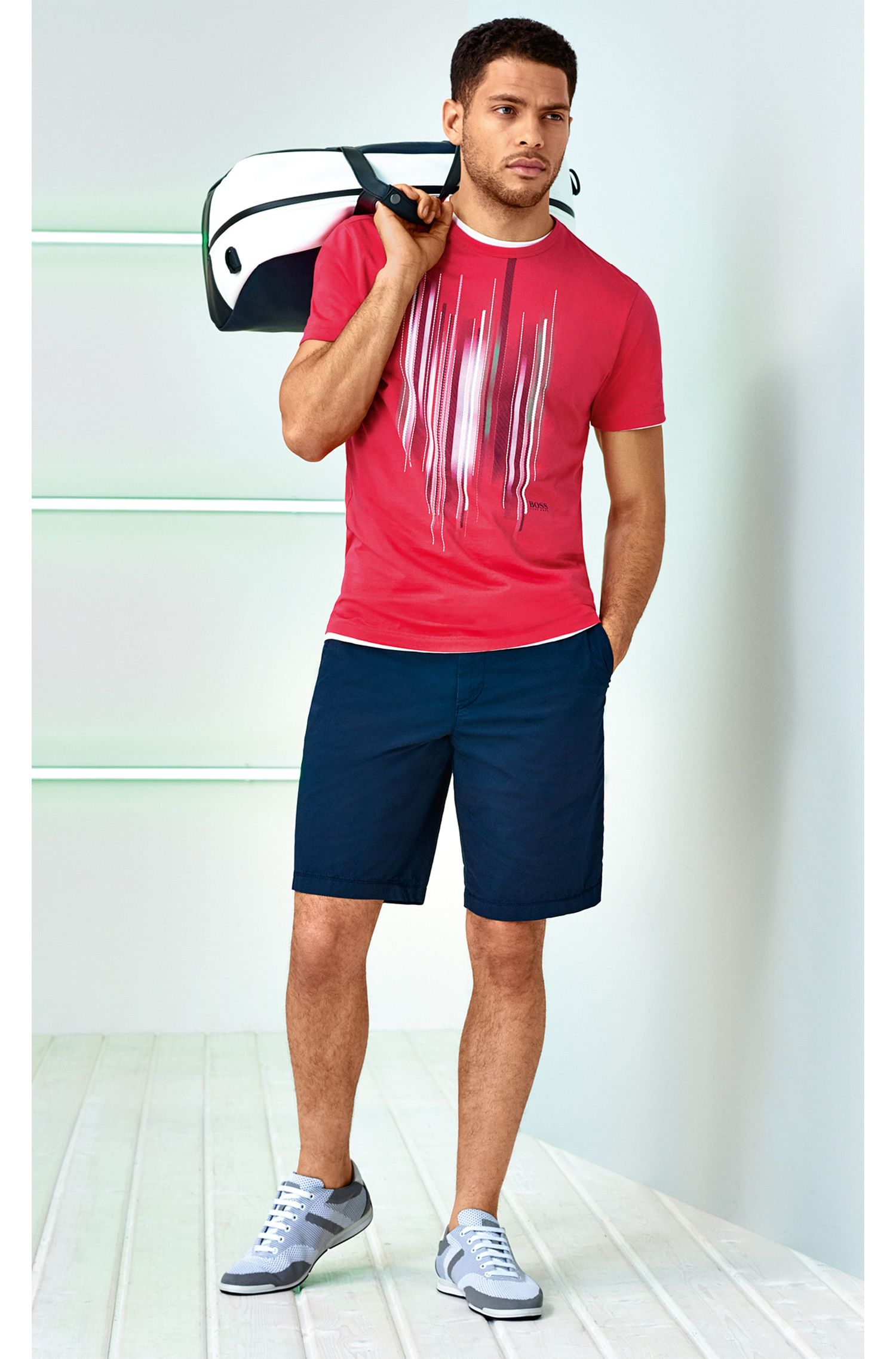 Regular-Fit Shorts aus leichter Stretch-Baumwolle