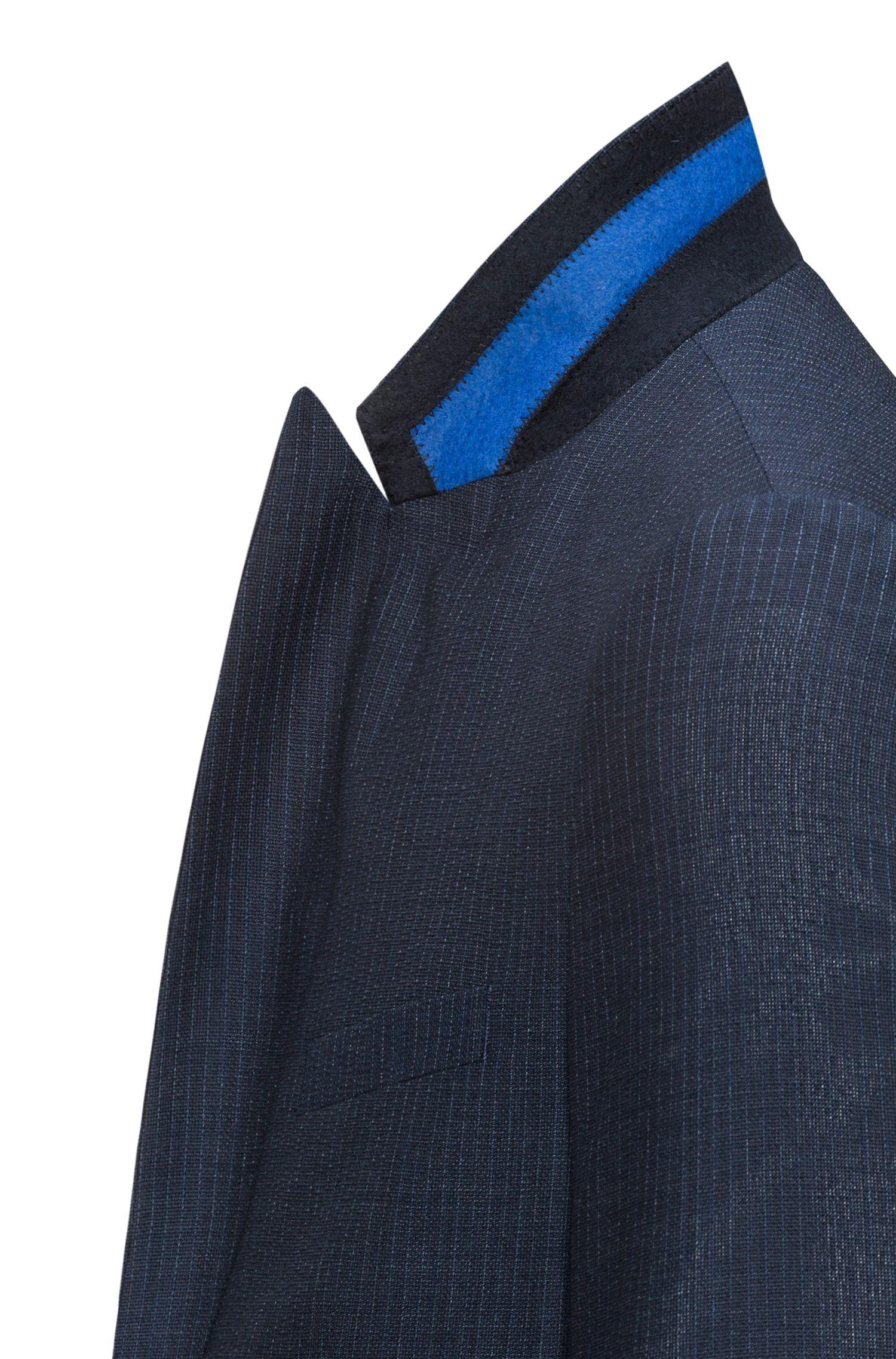 Costume Slim Fit en sergé de laine vierge avec revers en pointe