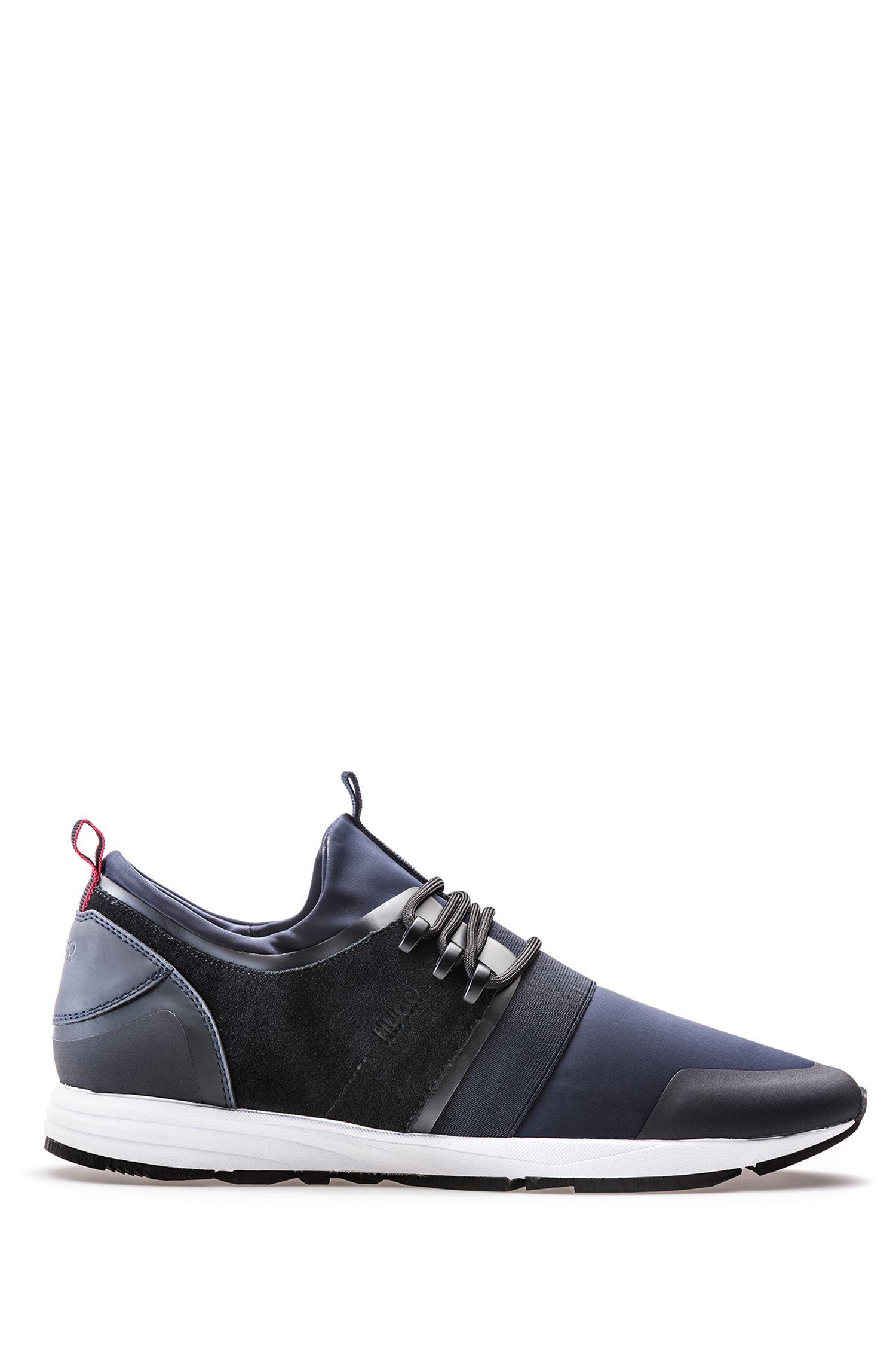 Sneakers aus Material-Mix mit Neopren-Einlage