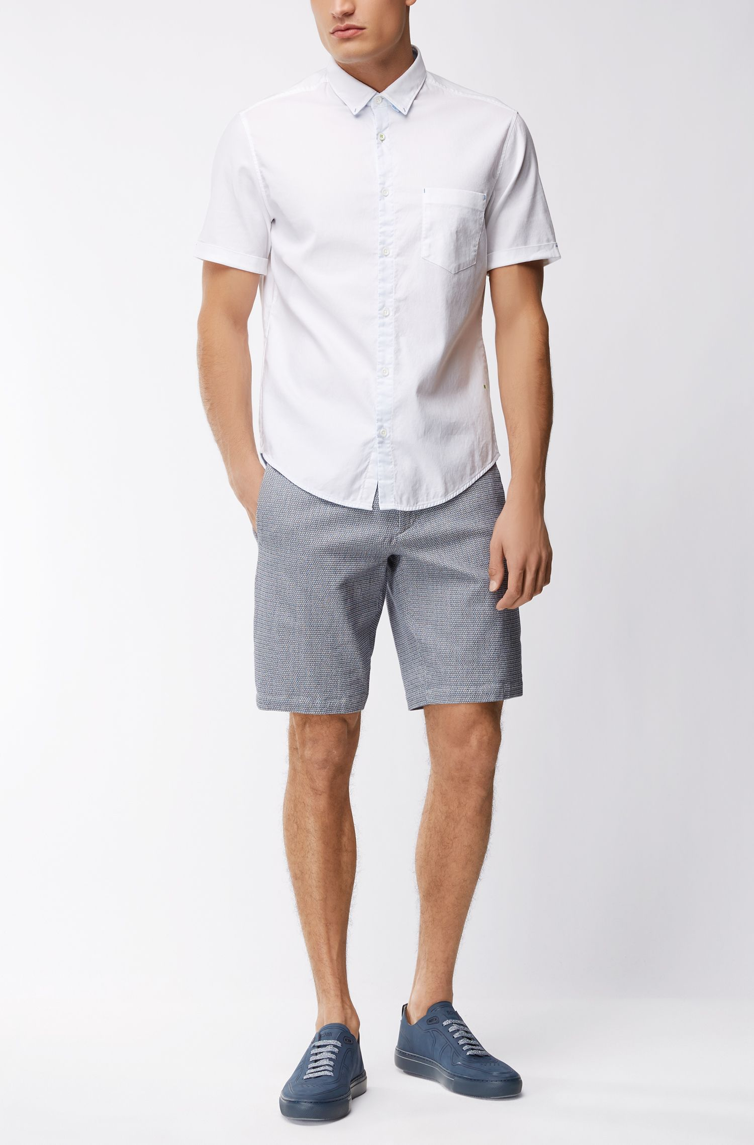 Slim-Fit Shorts aus strukturierter Stretch-Baumwolle
