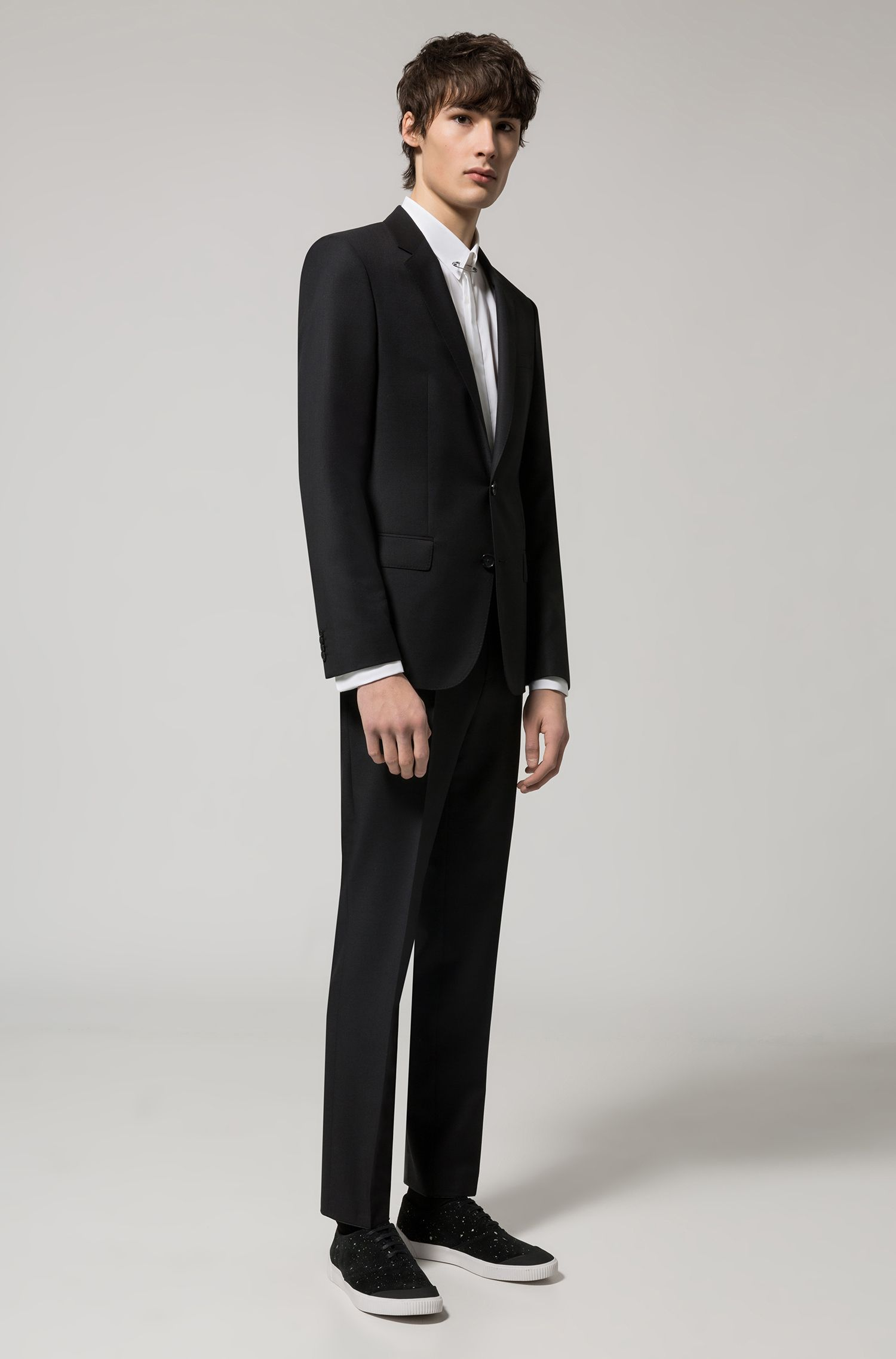 Slim-fit yarn-dyed suit in virgin wool serge