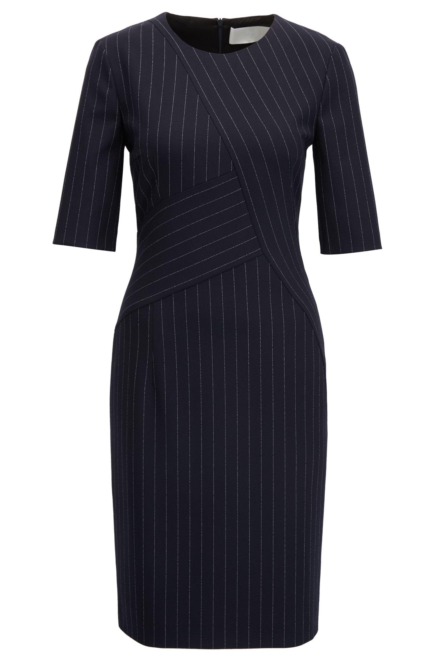 Kleid aus mittelschwerem elastischem Material-Mix mit Nadelstreifen