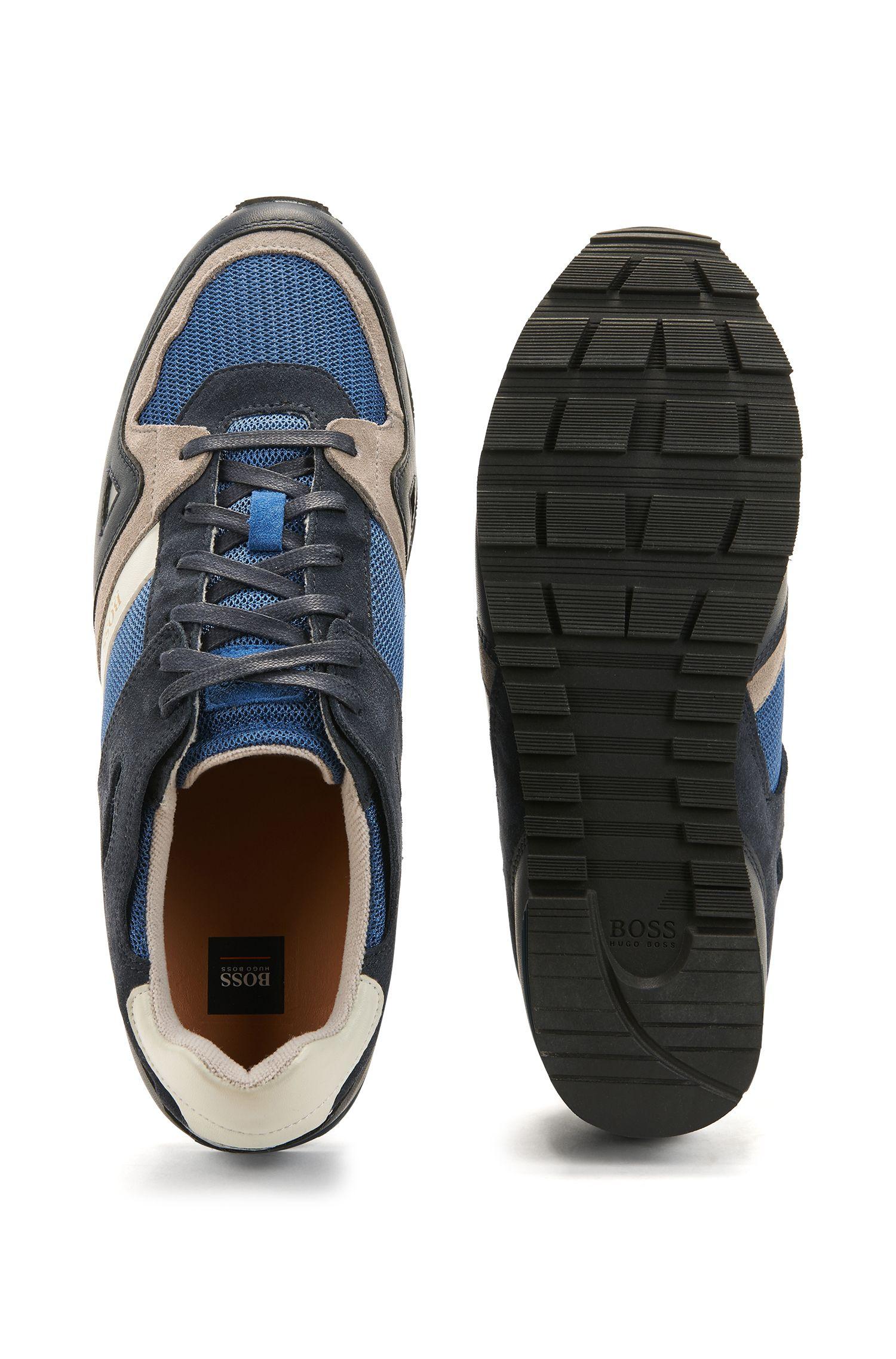 Sneakers aus Material-Mix und Leder