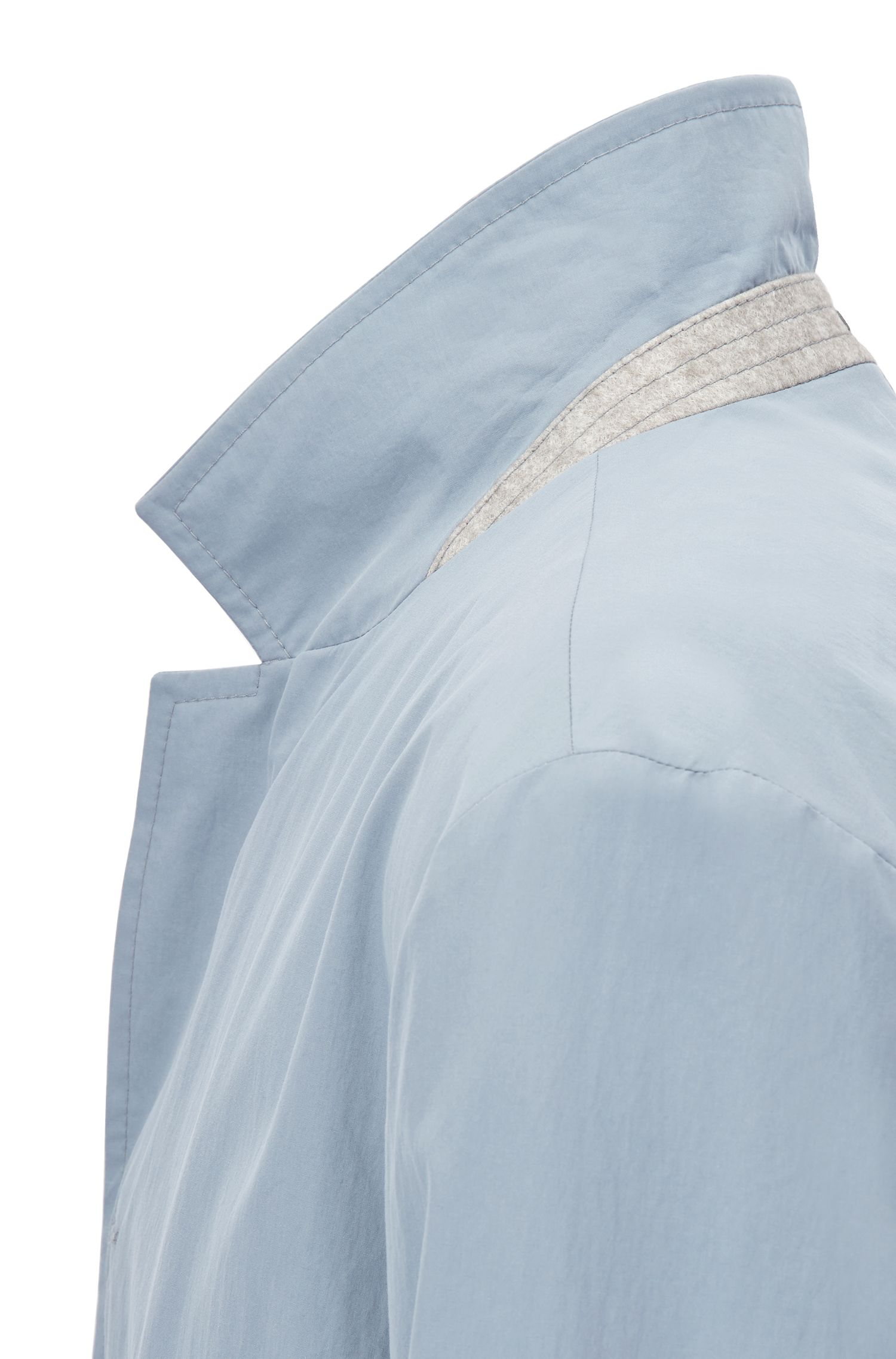 Lightweight cotton coat with a water-repellent finish