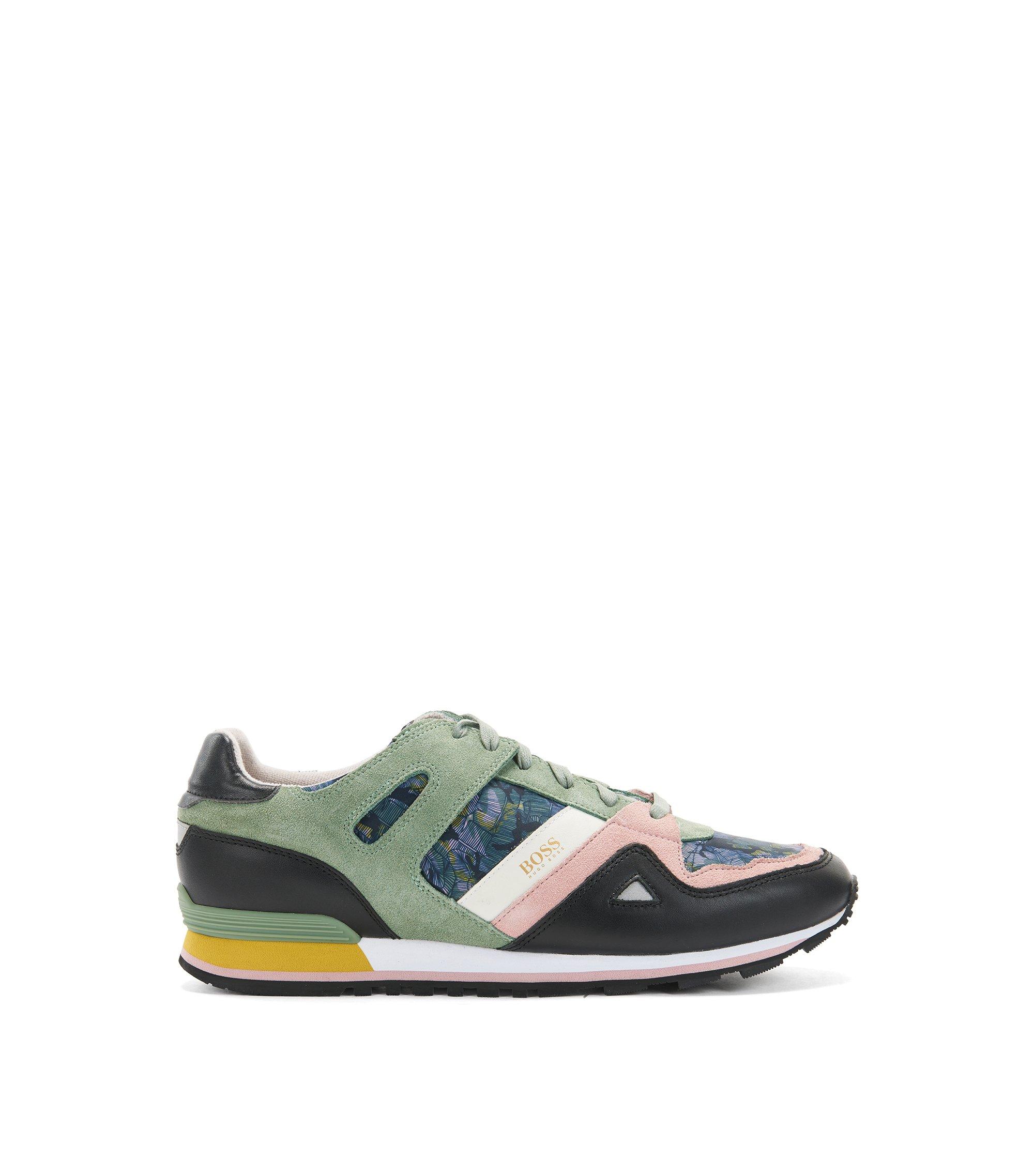 Sneakers aus Veloursleder mit bedruckten Einsätzen, Hellgrün