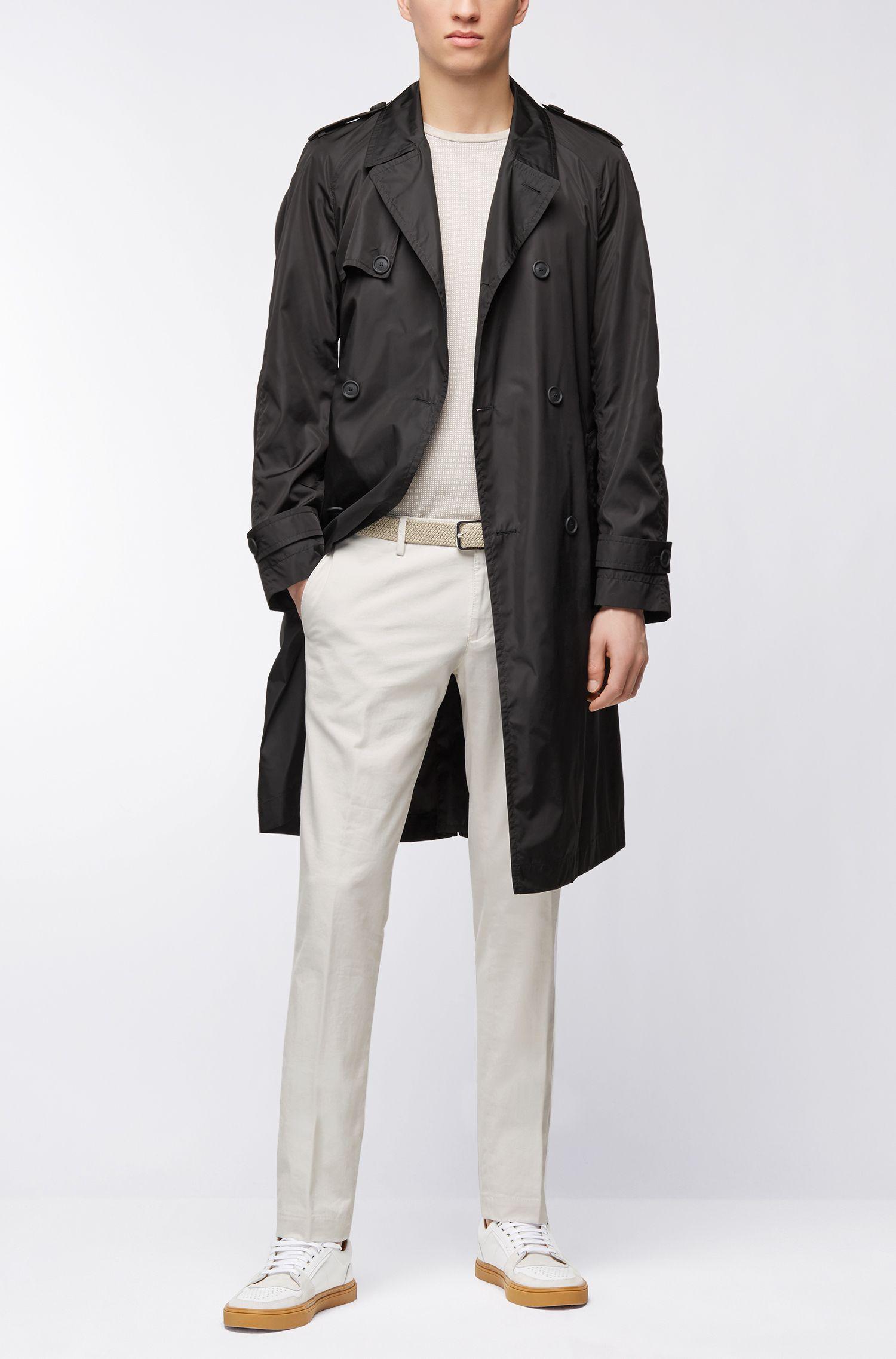 Zweireihiger Mantel aus Material-Mix