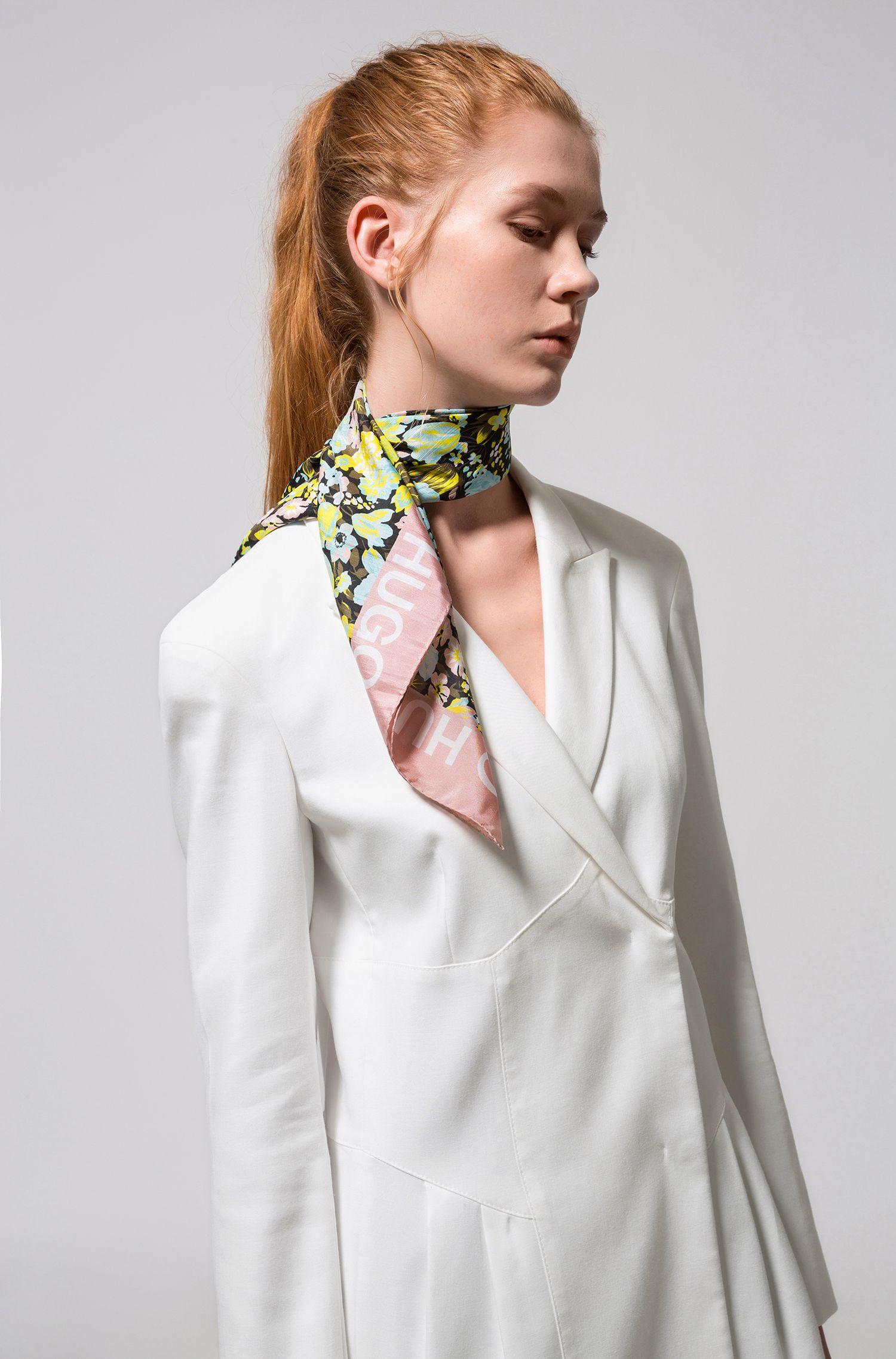 Écharpe en soie habotai à fleurs