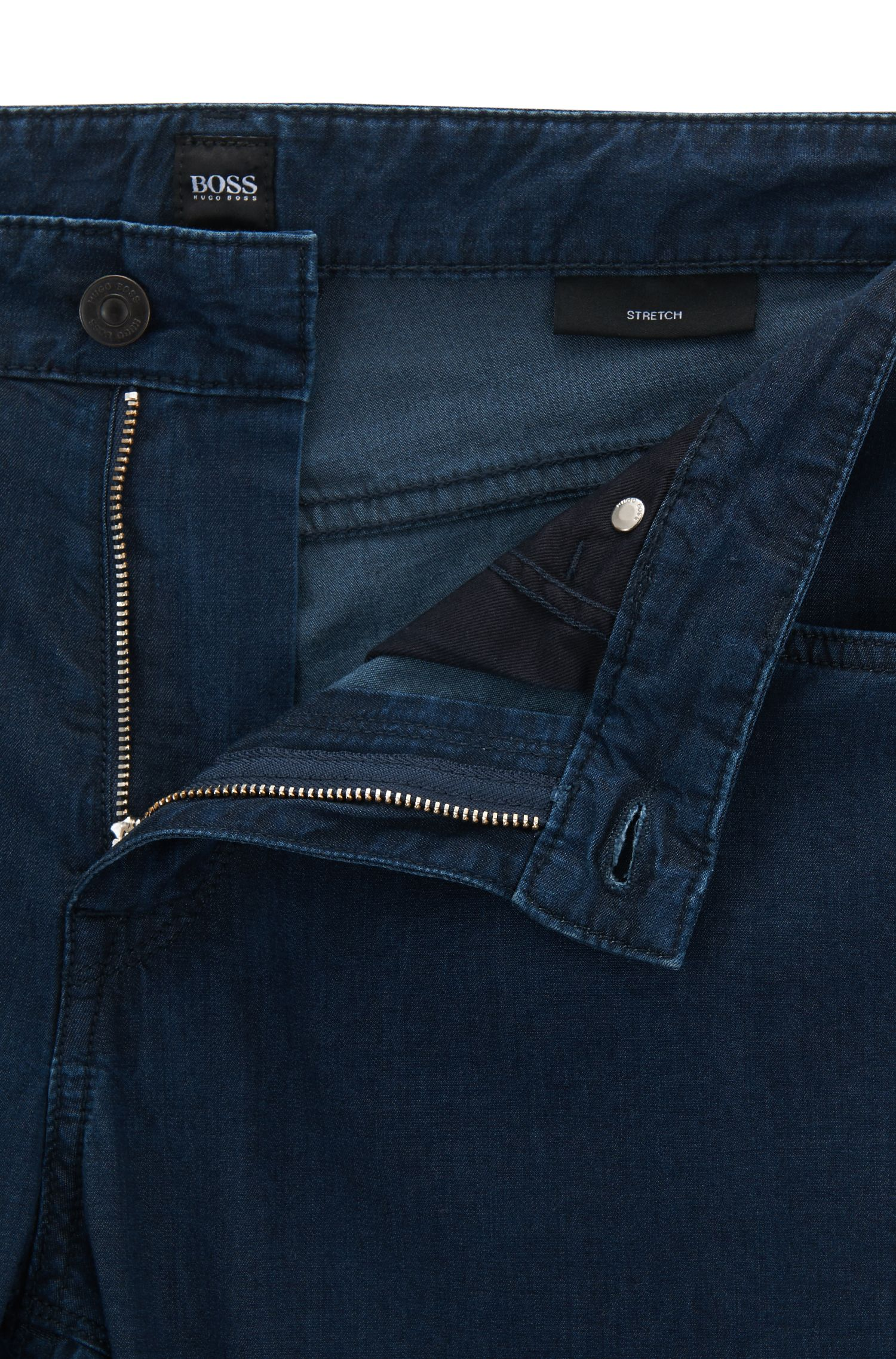 Jeans regular fit in leggero denim elasticizzato blu scuro