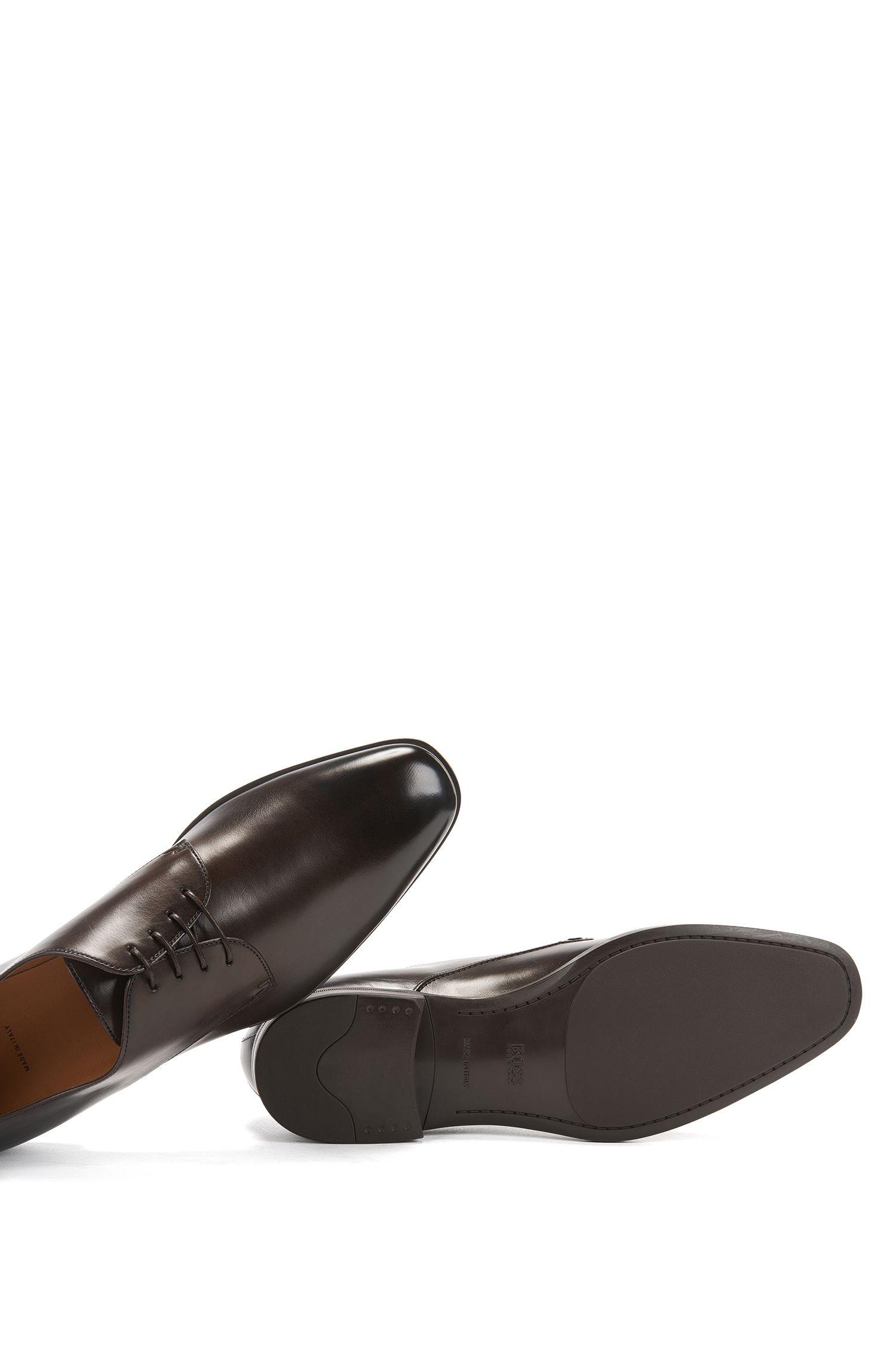 Chaussures derby en cuir poli