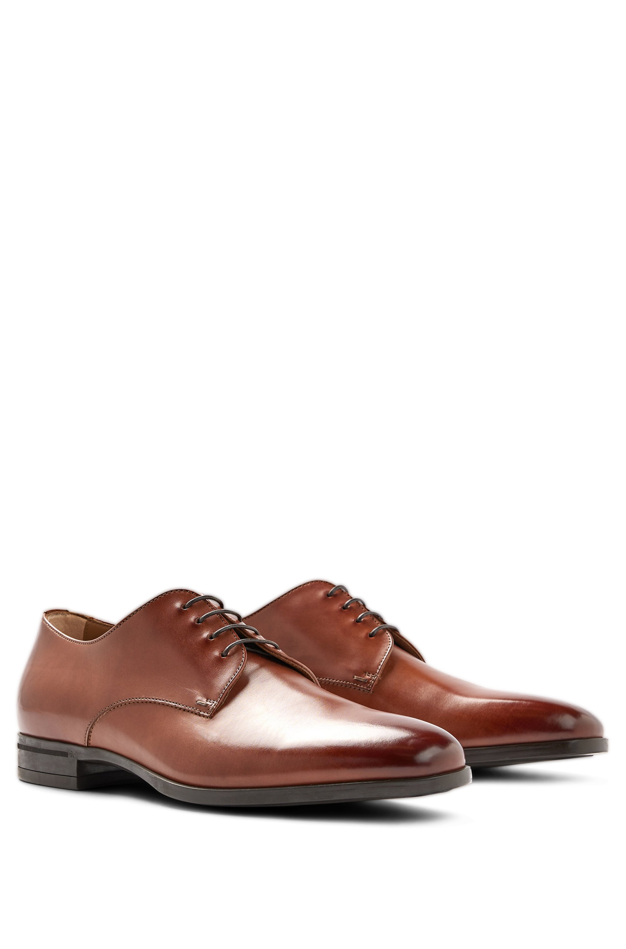 Italian-made Derby shoes in vegetable-tanned leather