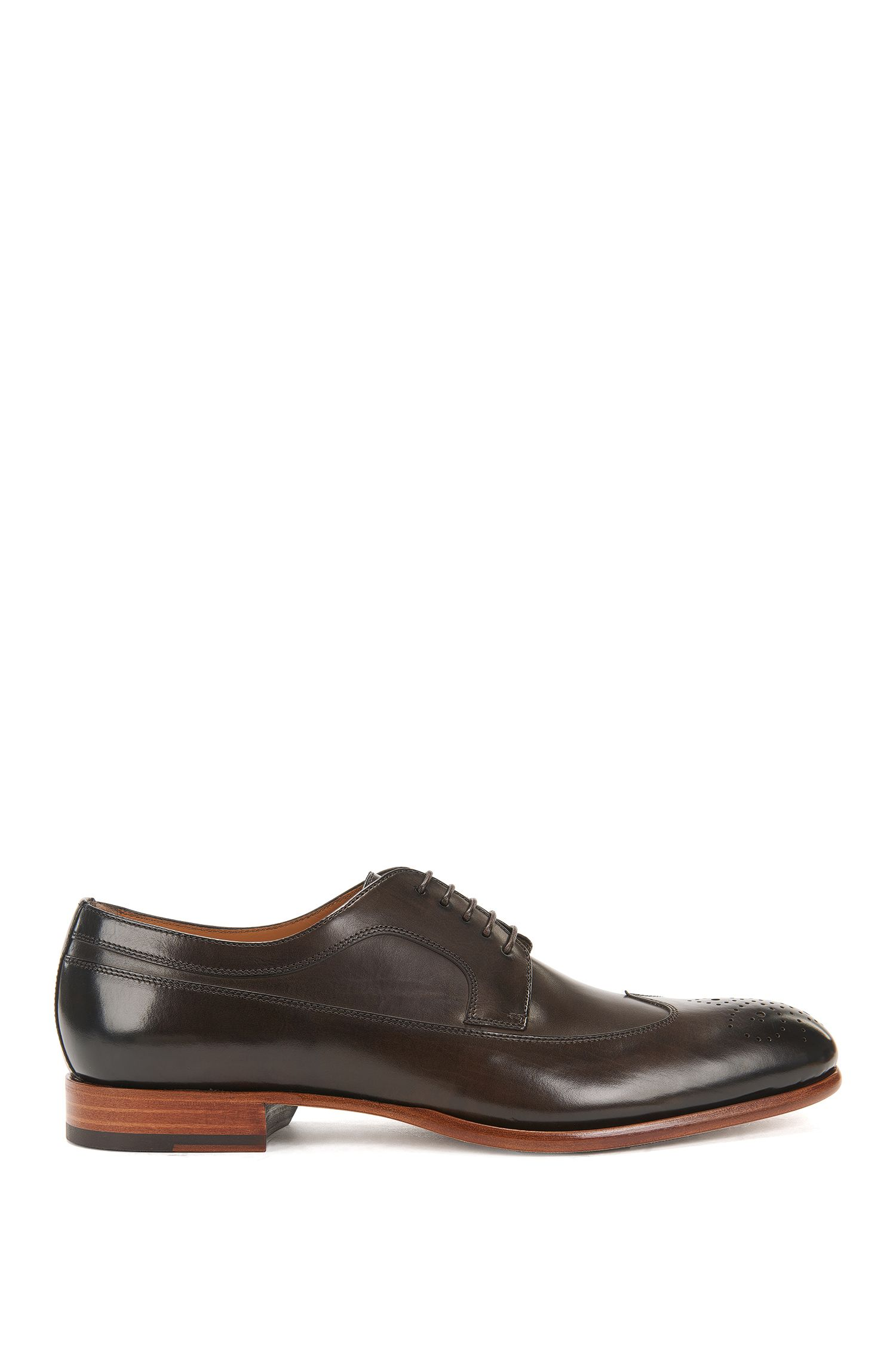 Leather Derby shoes with brogueing