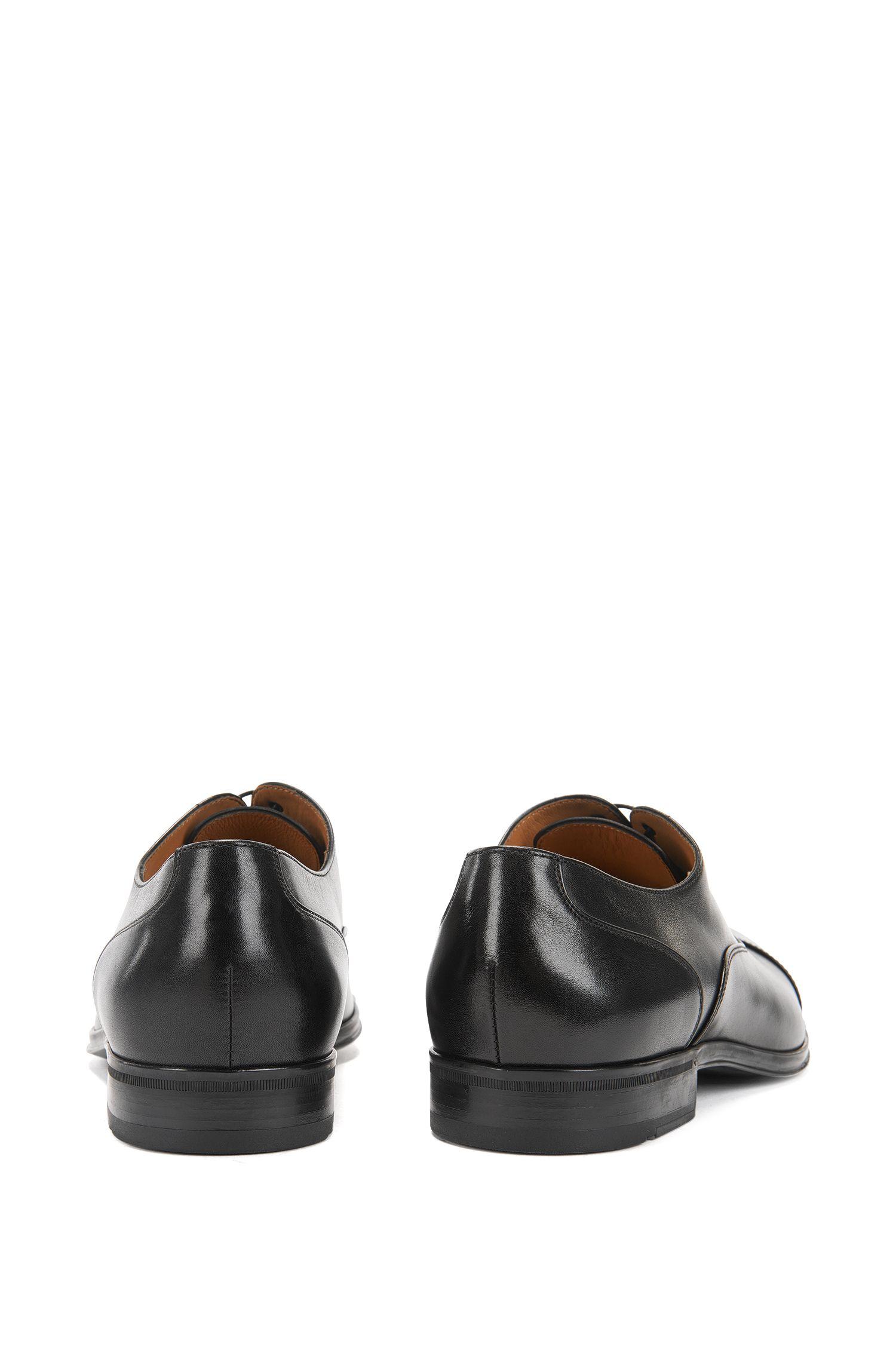 Scarpe Oxford in pelle liscia realizzate in Italia