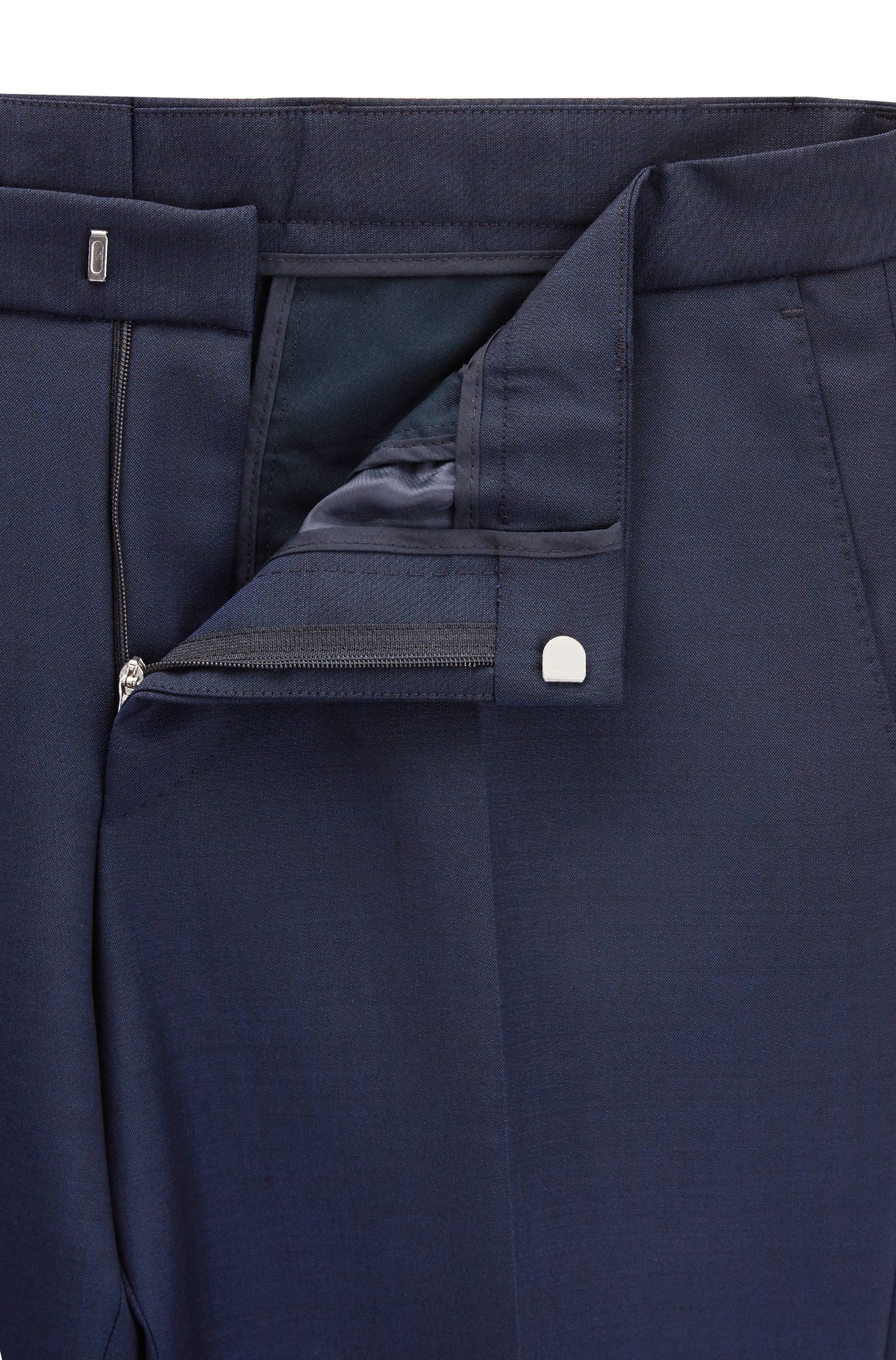 Double-breasted slim-fit suit in a wool blend
