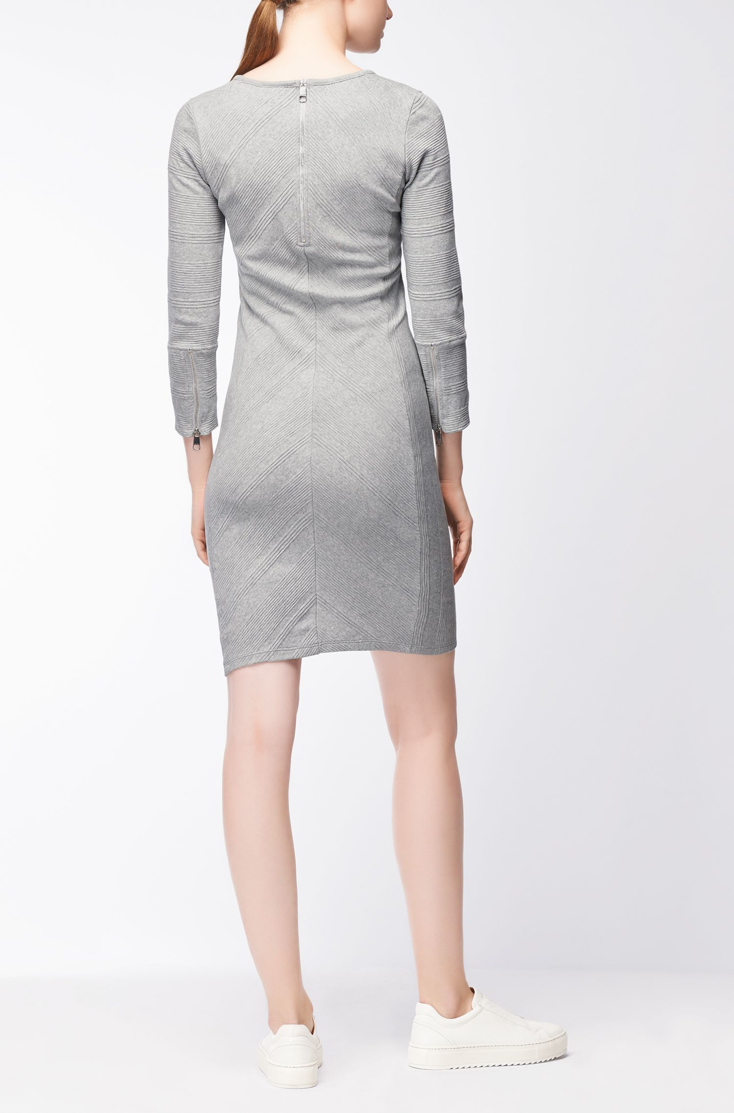 Nauwsluitende jurk van katoen met chevronstrepen in 3D