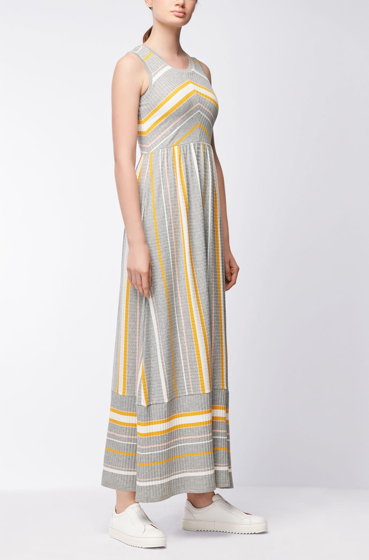 Ärmelloses Jerseykleid in Maxilänge mit Streifen-Dessin