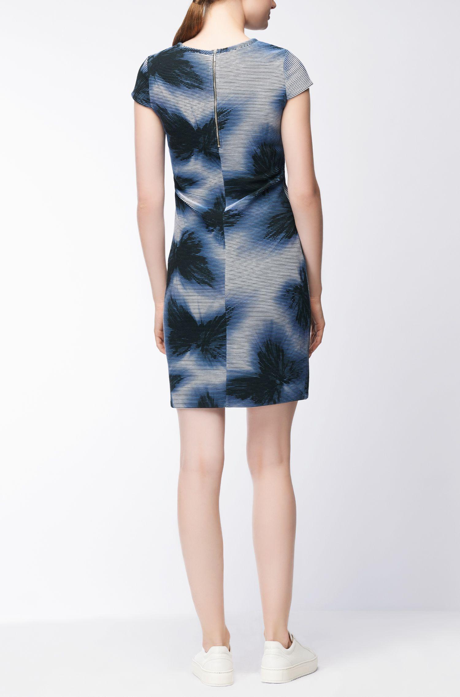 Bedrucktes Kleid aus Material-Mix mit Flügelärmeln BOSS Mit Mastercard Zum Verkauf Bestbewertet nACkr