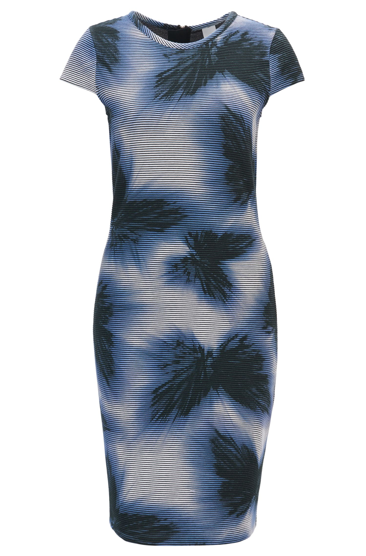 Bedrucktes Kleid aus Material-Mix mit Flügelärmeln