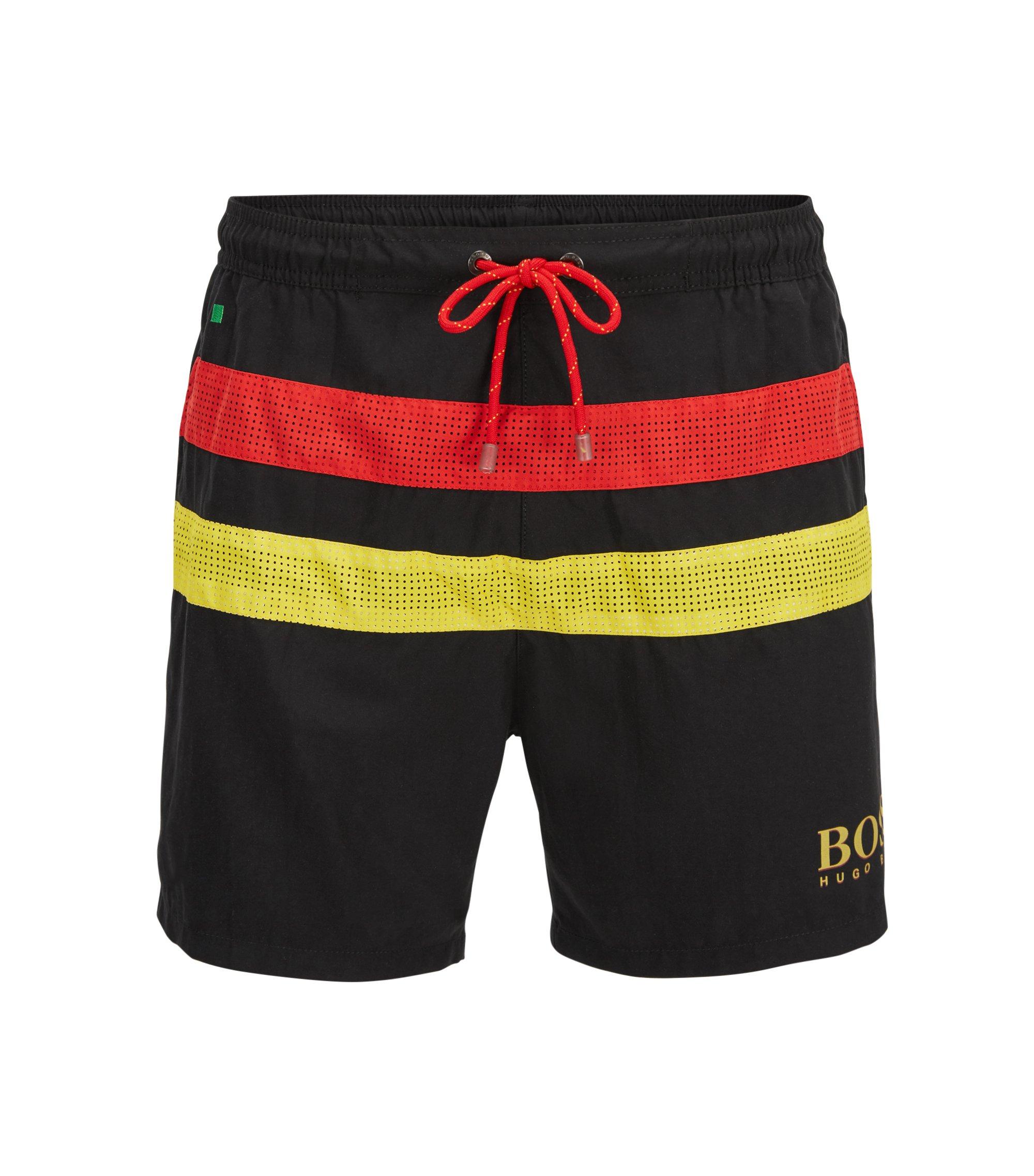 Bañador tipo shorts ligero con detalle de bandera, Negro