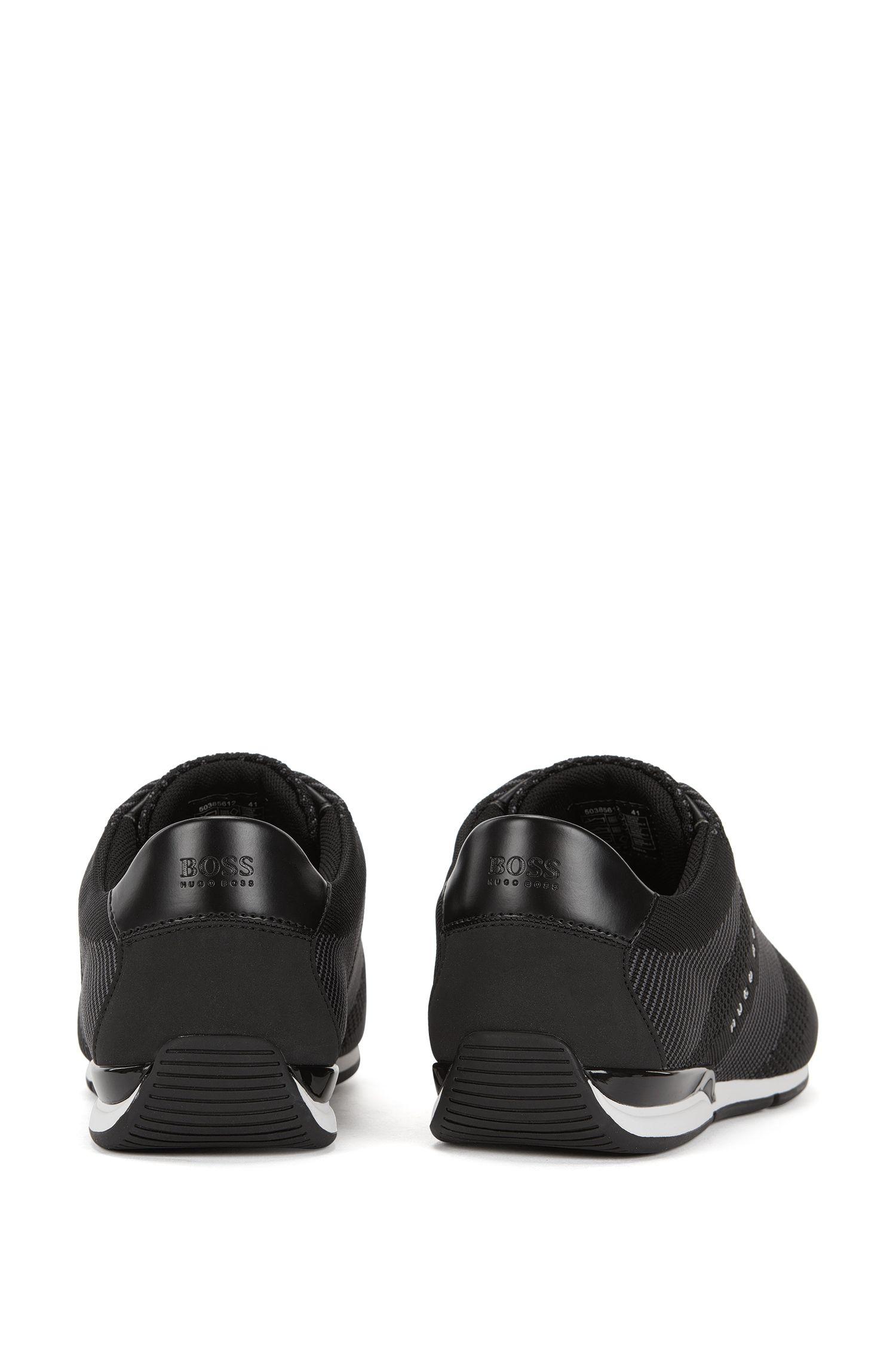 Sneakers aus gestricktem Material-Mix im nahtlosen Design
