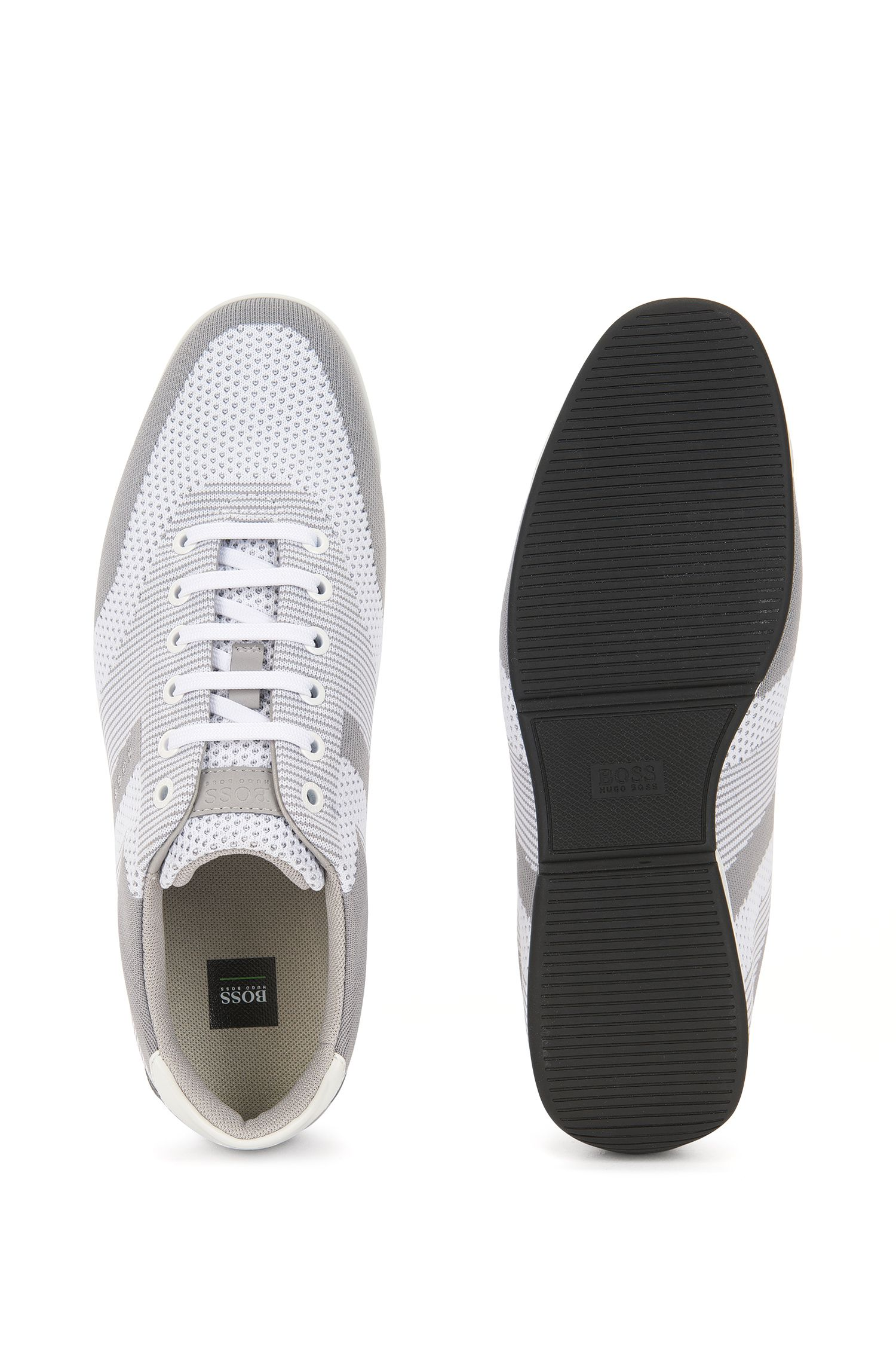 Low-top trainers with seamless knitted uppers