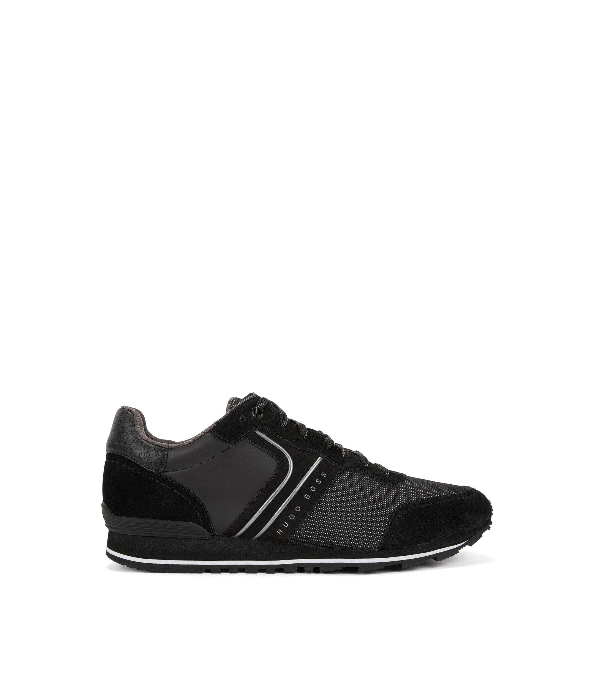 Sneakers stile runner d'ispirazione rétro con tomaia ibrida, Nero