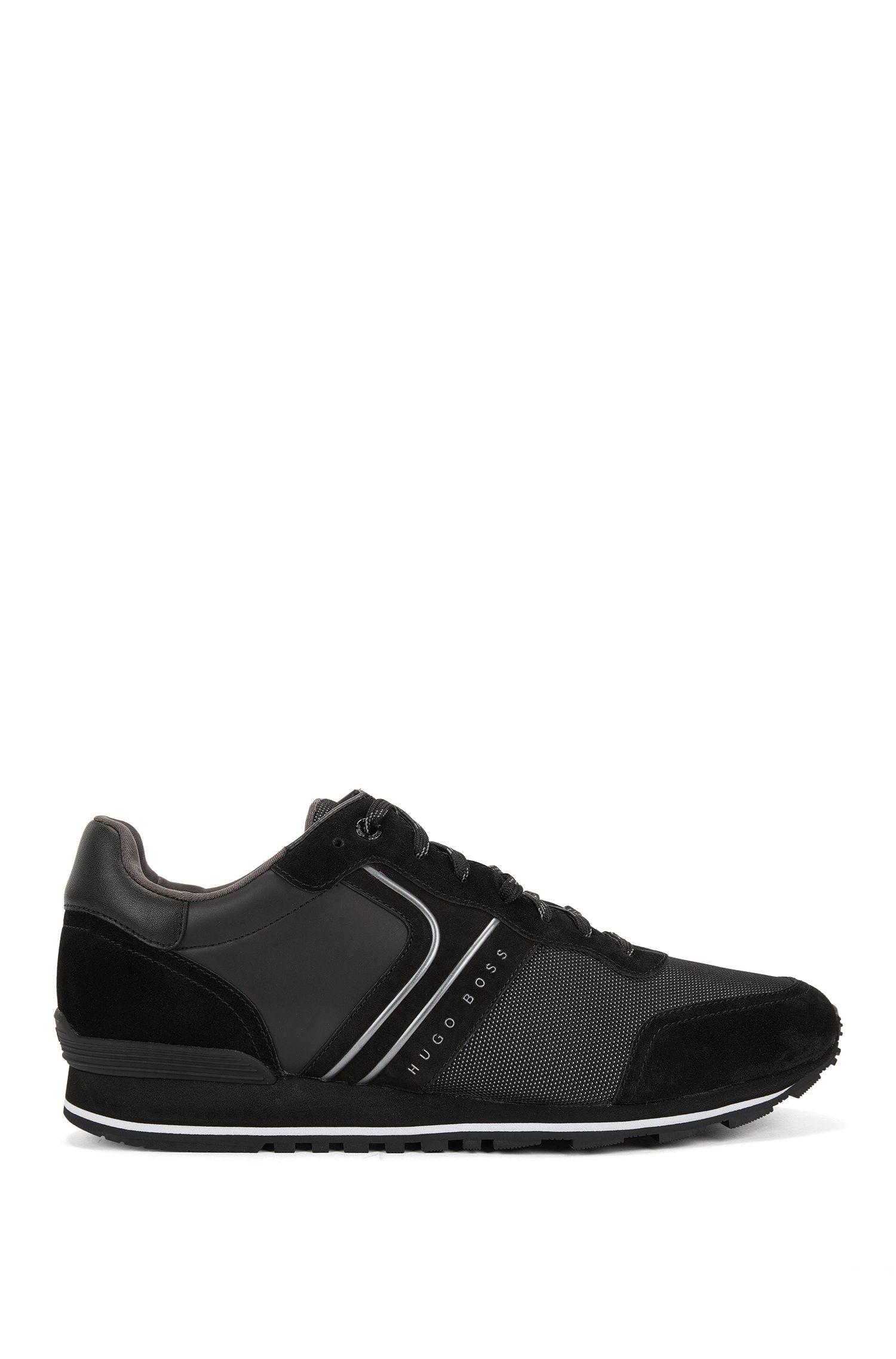 Sneakers stile runner d'ispirazione rétro con tomaia ibrida