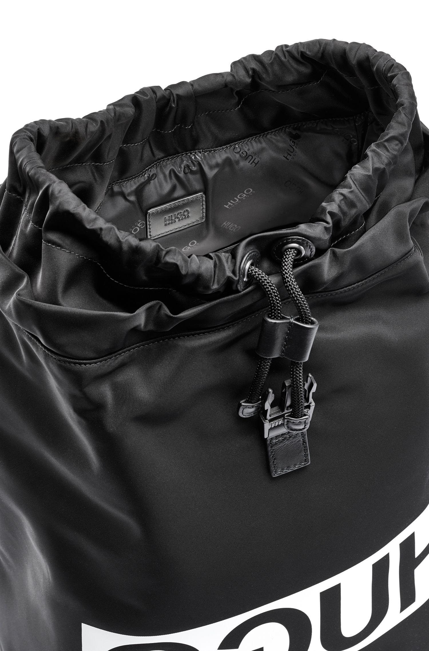 Sac à dos à logo inversé en gabardine technique, avec finitions en cuir