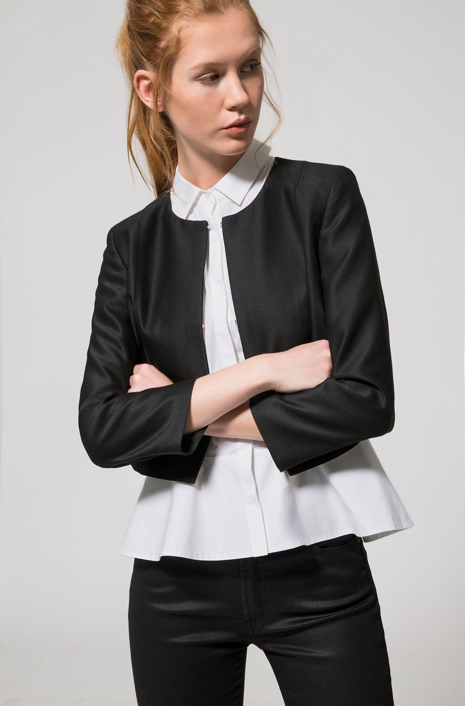 Gestroomlijnde, korte regular-fit blazer met haaksluiting