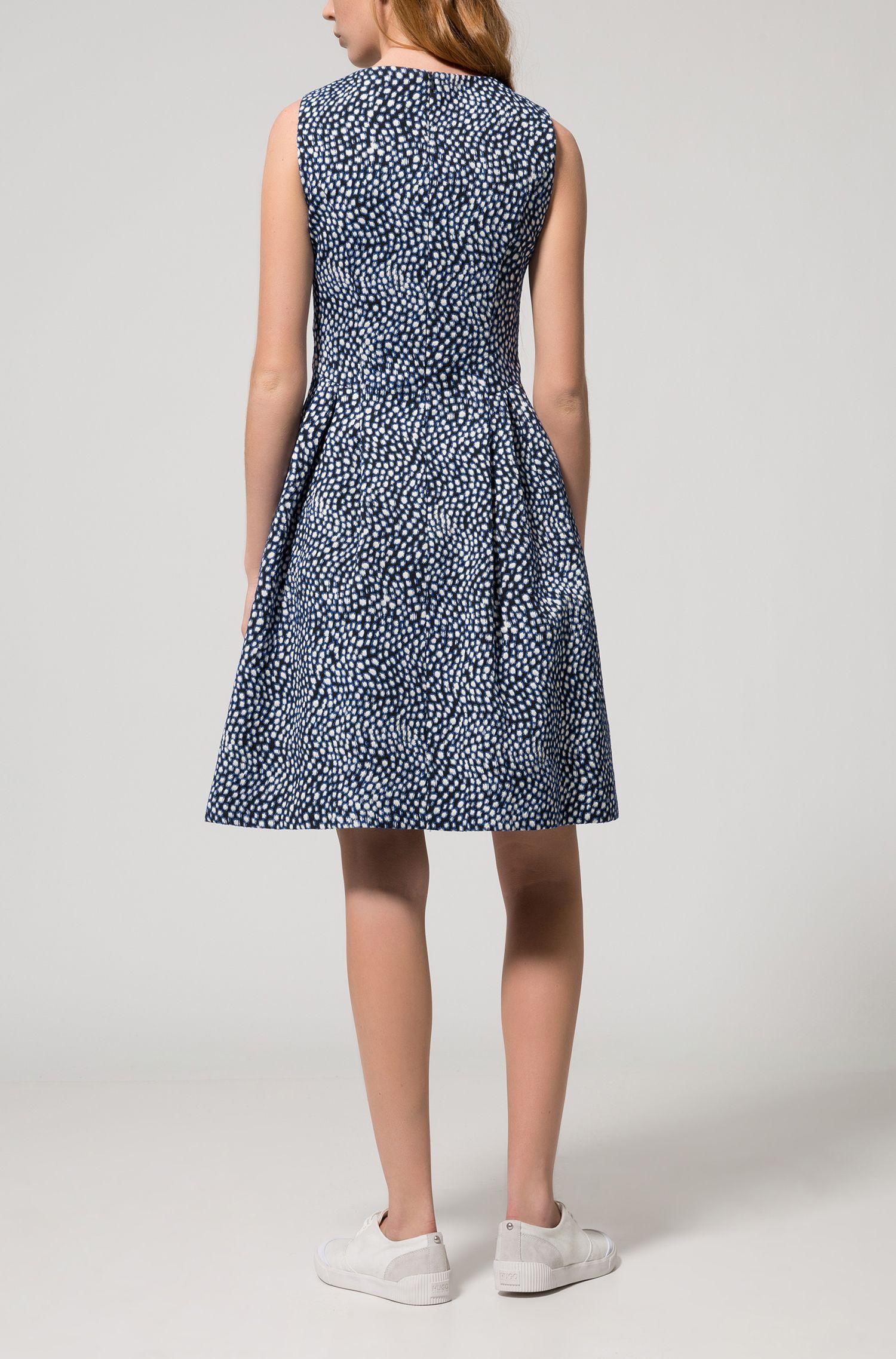Gemustertes Jacquard-Kleid aus elastischem Baumwoll-Mix