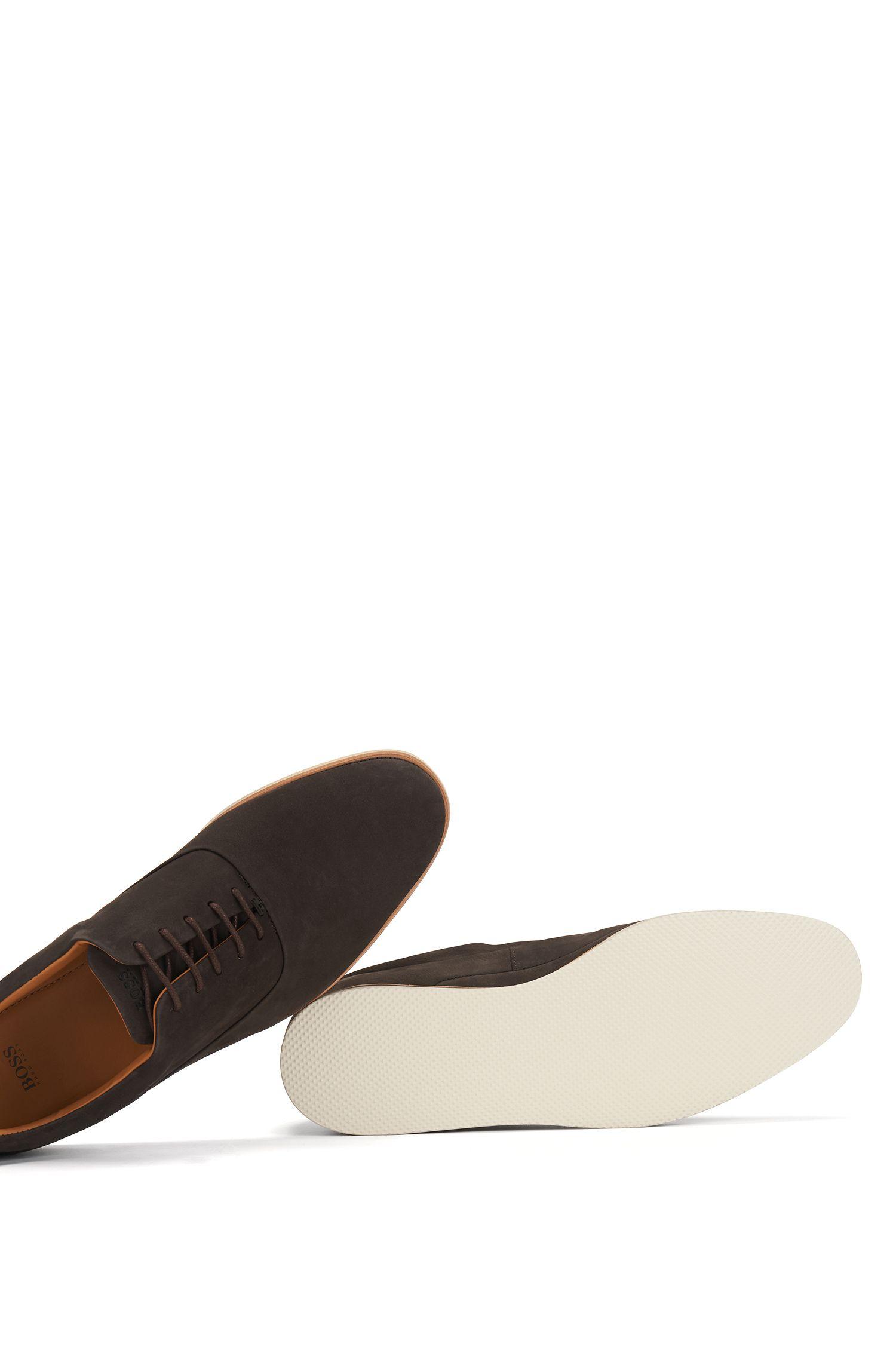Zapatos Oxford casual en piel de nobuk suave