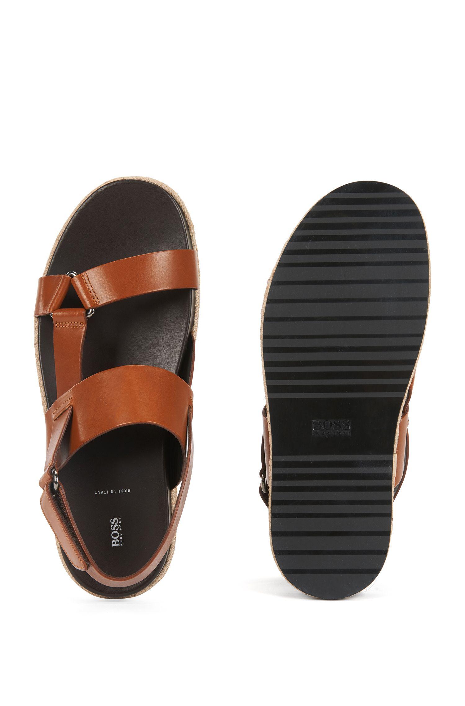 Sandales en cuir de veau avec passepoil en corde