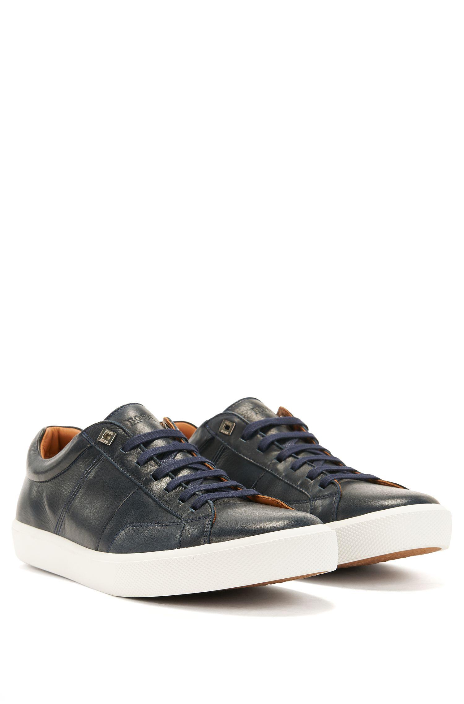 Sneakers aus italienischem Leder im Tennis-Stil
