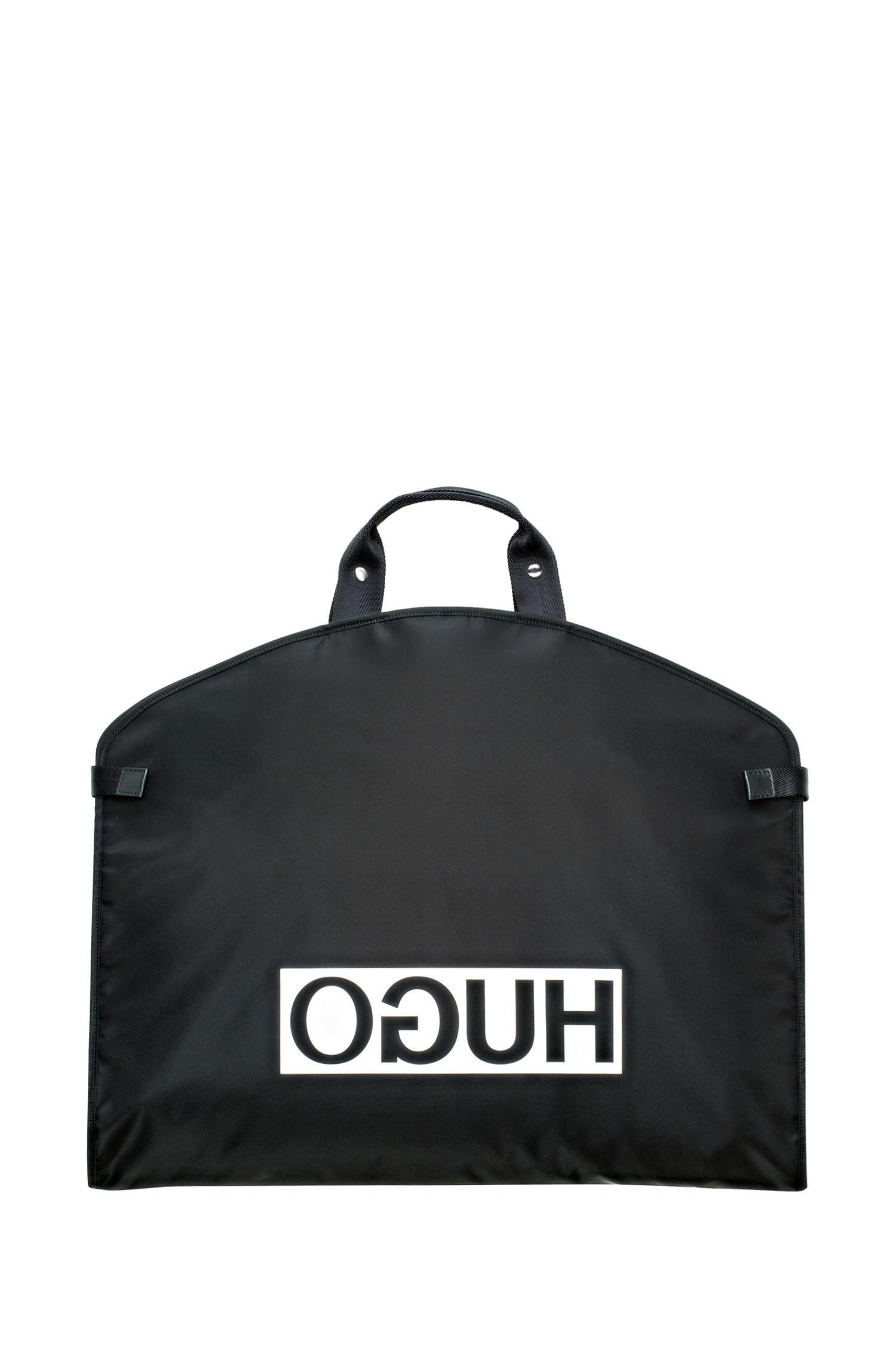 Kleiderbeutel aus Nylon-Gabardine mit Reversed-Logo