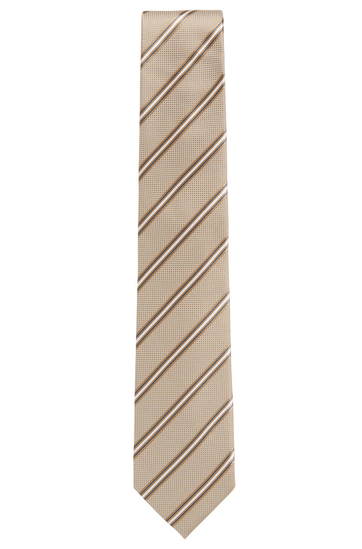 Italian-made silk-jacquard tie with diagonal stripe