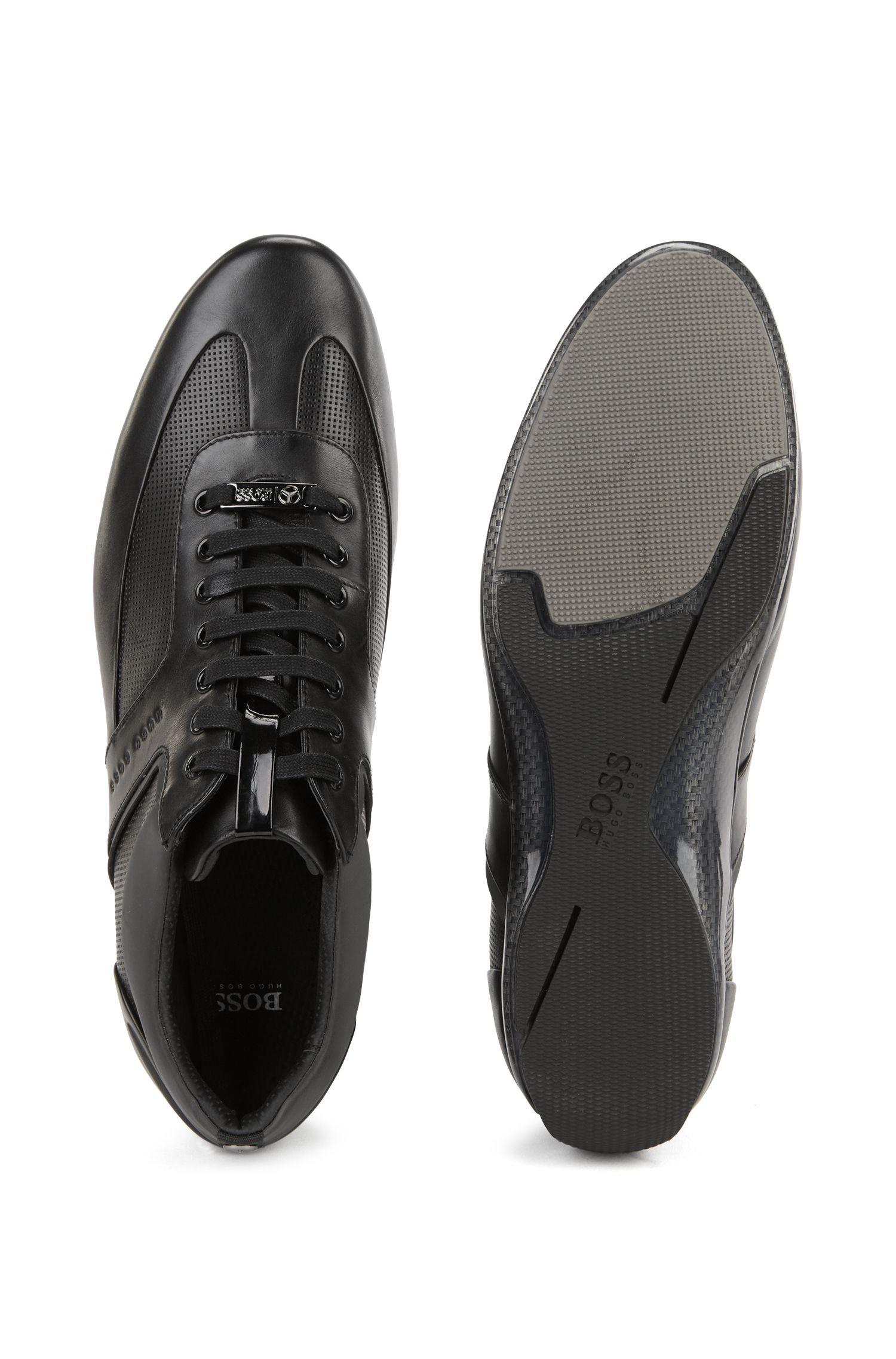Sneakers aus Leder mit Kontrast-Details aus der Mercedes-Benz Kollektion