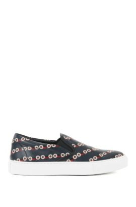 Sneakers slip-on in pelle con auto da corsa, Nero